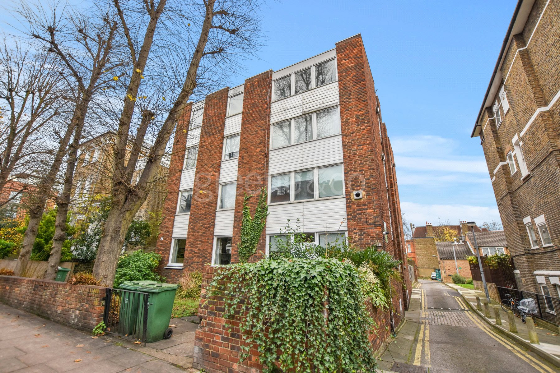 2 Bedrooms Flat for sale in Priory Road, South Hampstead, London, NW6