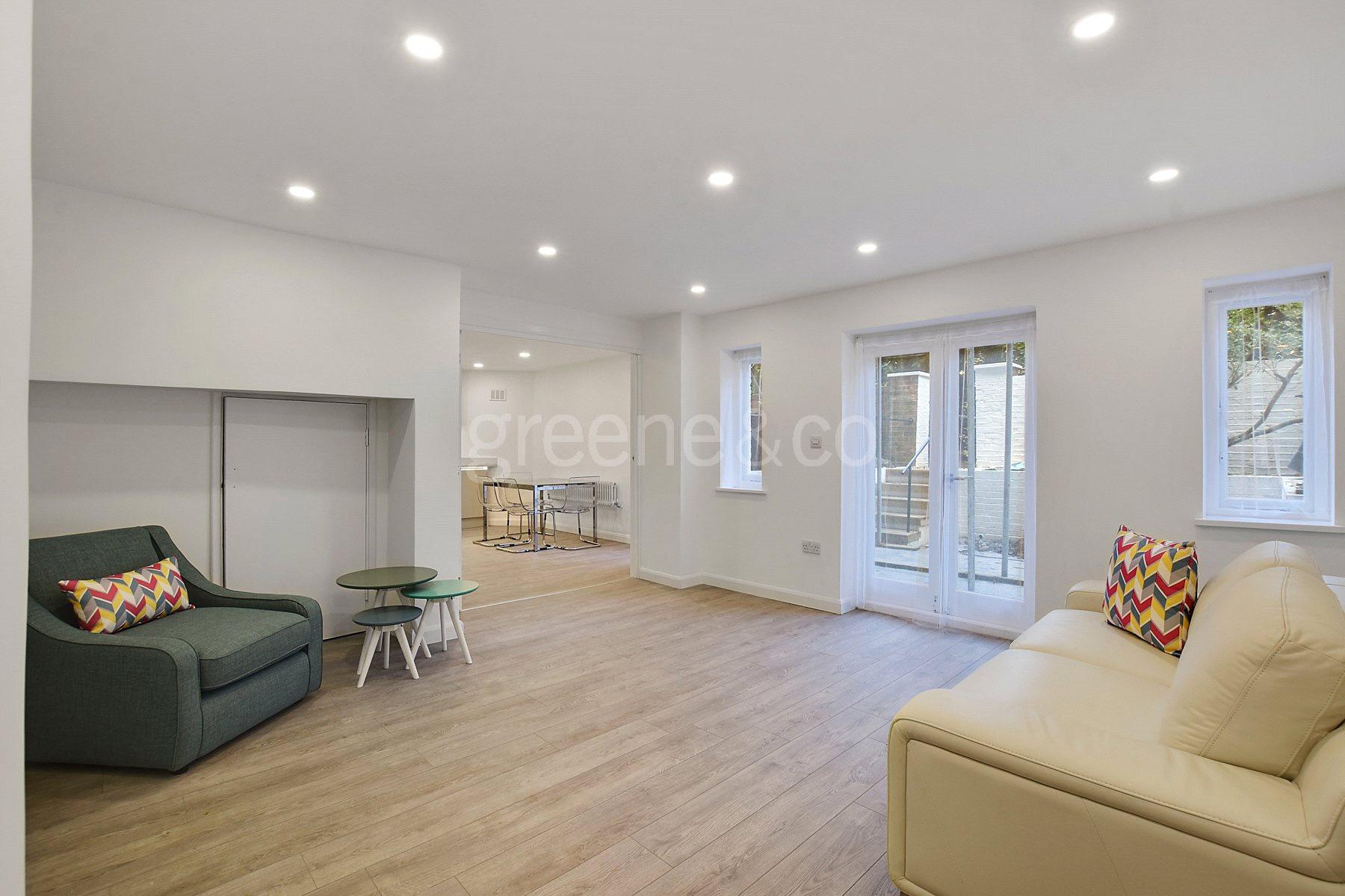 3 Bedrooms Flat for sale in Fairhazel Gardens, South Hampstead, London, NW6
