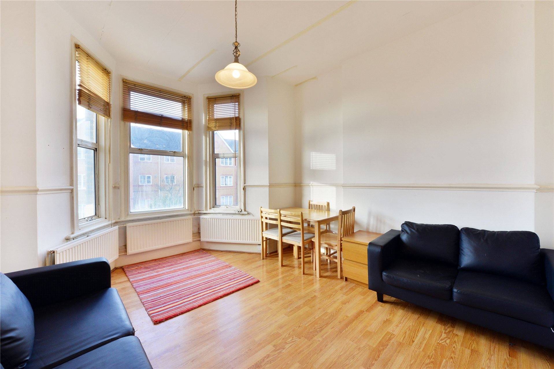 2 Bedrooms Flat for sale in Claremont Road, London, NW2