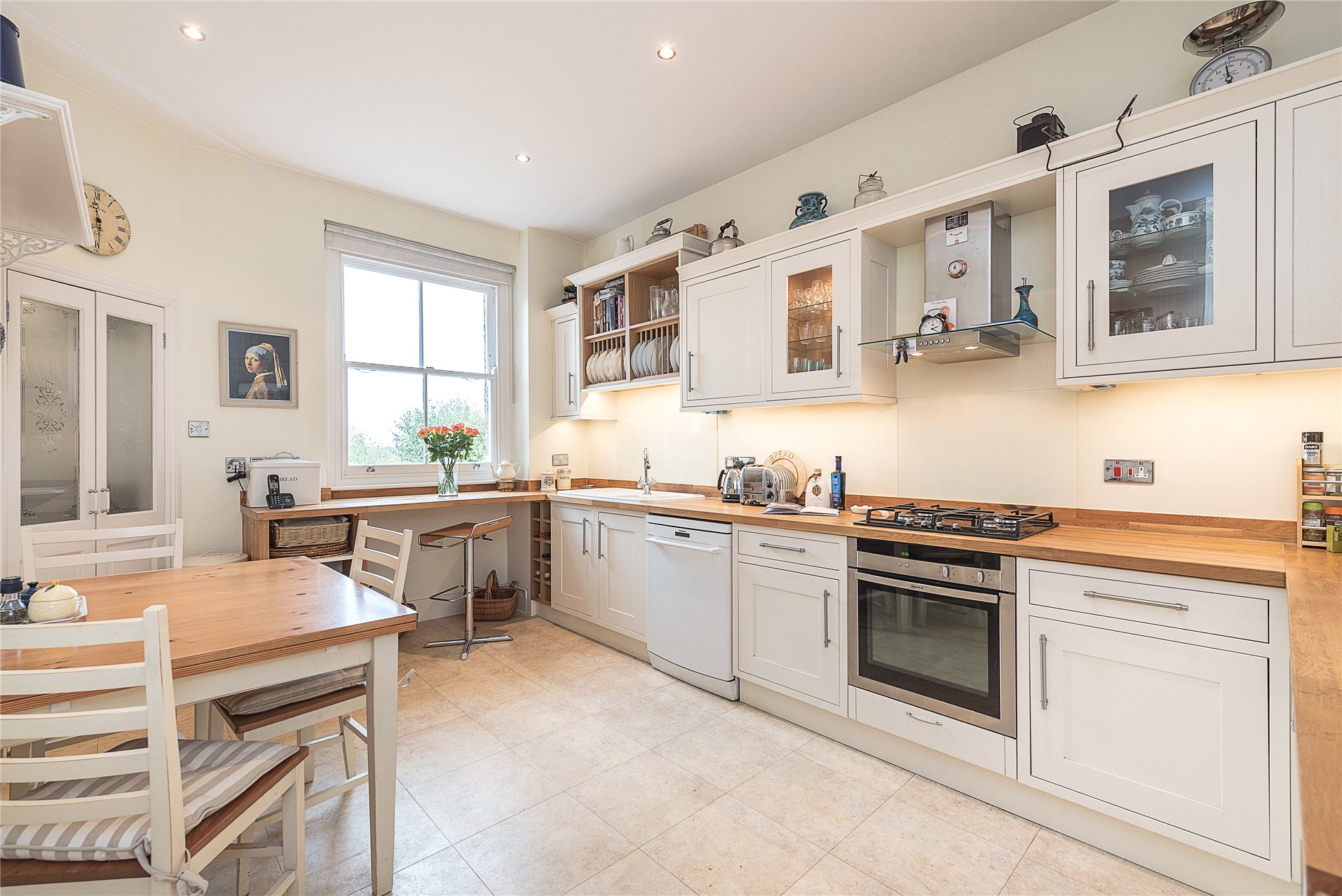 4 Bedrooms Flat for sale in Sandwell Mansions, West End Lane, London, NW6