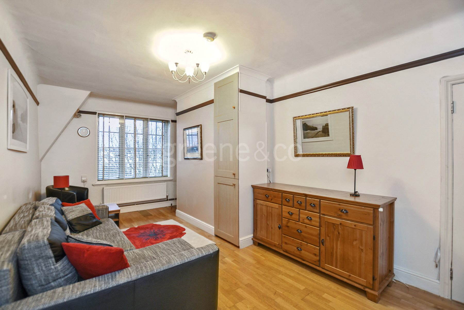 2 Bedrooms Flat for sale in Hillsborough Court, Mortimer Crescent, London, NW6