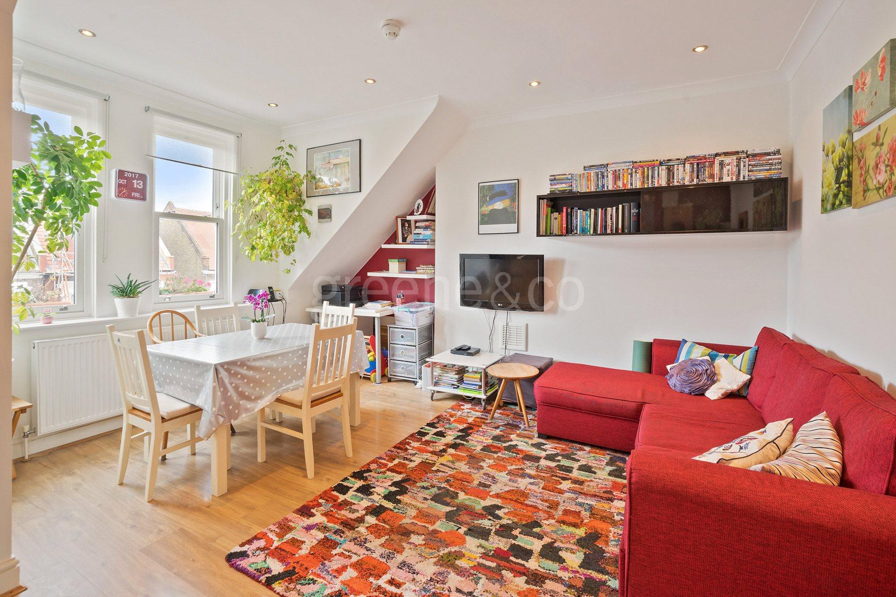 2 Bedrooms Maisonette Flat for sale in Buckley Road, Kilburn, London, NW6
