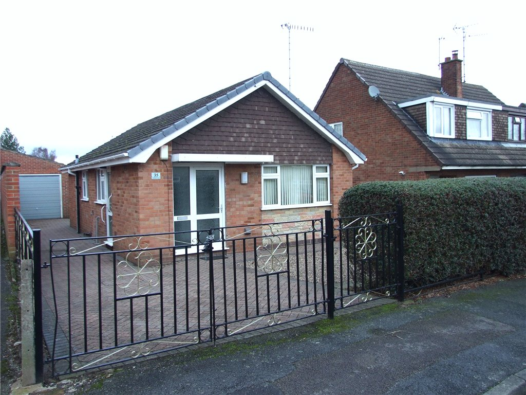 2 Bedrooms Detached Bungalow for sale in Dumbles Close, Ilkeston, Derbyshire, DE7
