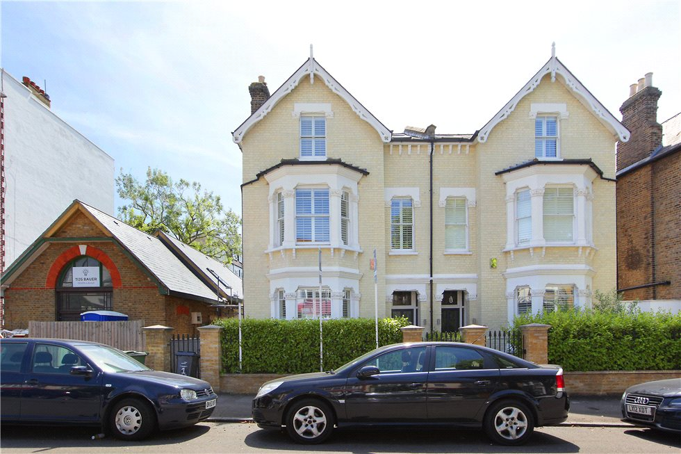 5 Bedrooms Semi Detached House for sale in Lewin Road, Streatham, London, SW16