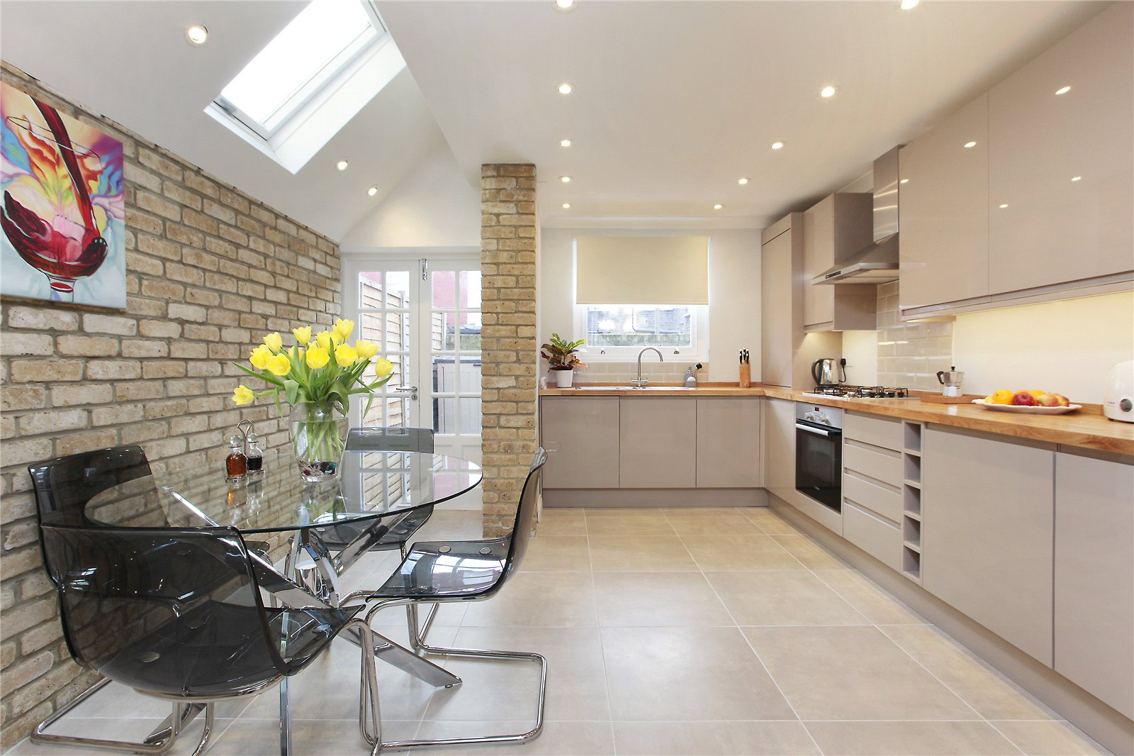 4 Bedrooms Terraced House for sale in Hereward Road, Tooting, London, SW17