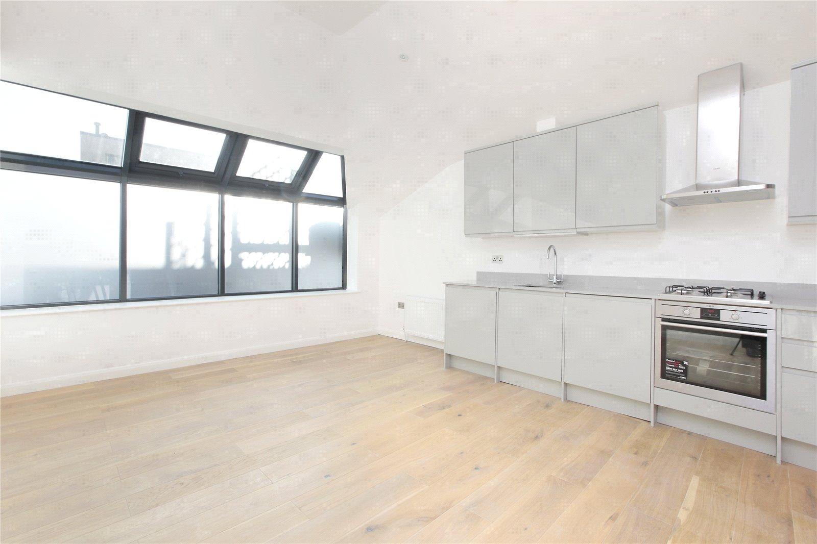 1 Bedroom Flat for sale in St John's Hill, Battersea, London, SW11