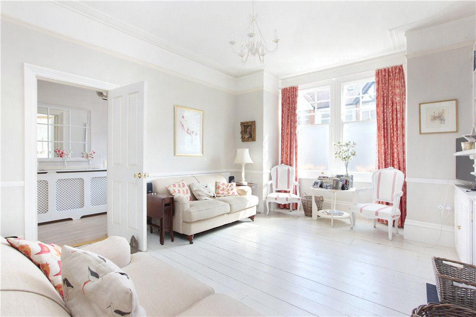 5 Bedrooms Terraced House for sale in Pendle Road, Streatham, London, SW16