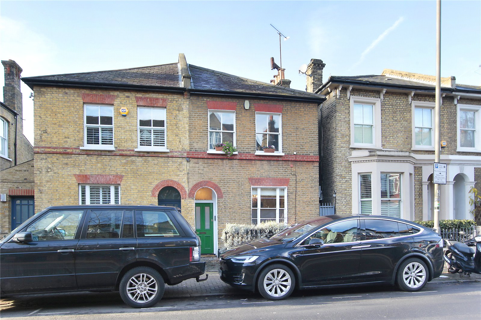 4 Bedrooms Semi Detached House for sale in St James's Drive, Wandsworth Common, London, SW17