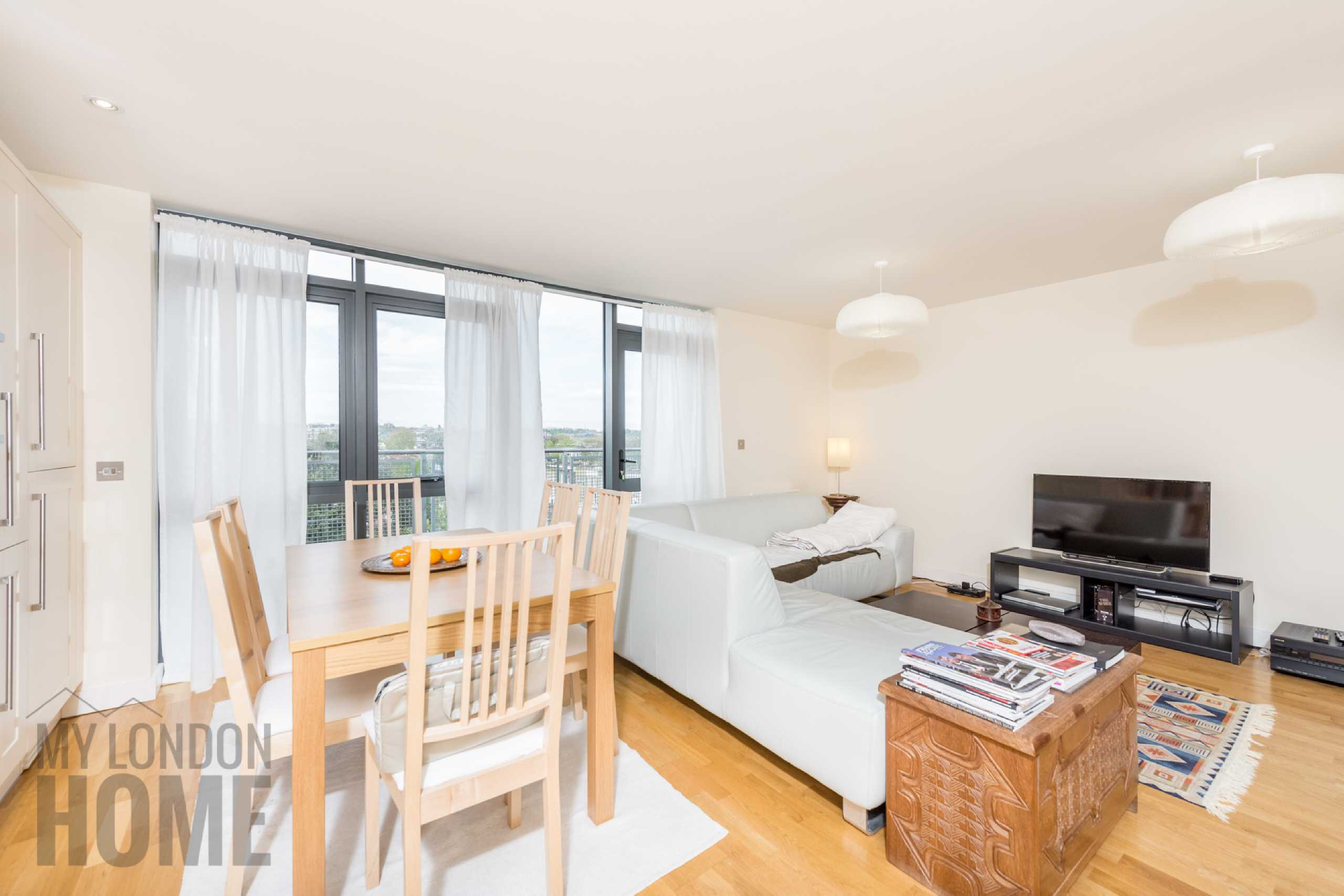 2 Bedrooms Apartment Flat for sale in The Drapery, 133 Axminster Road, Holloway, London, N7