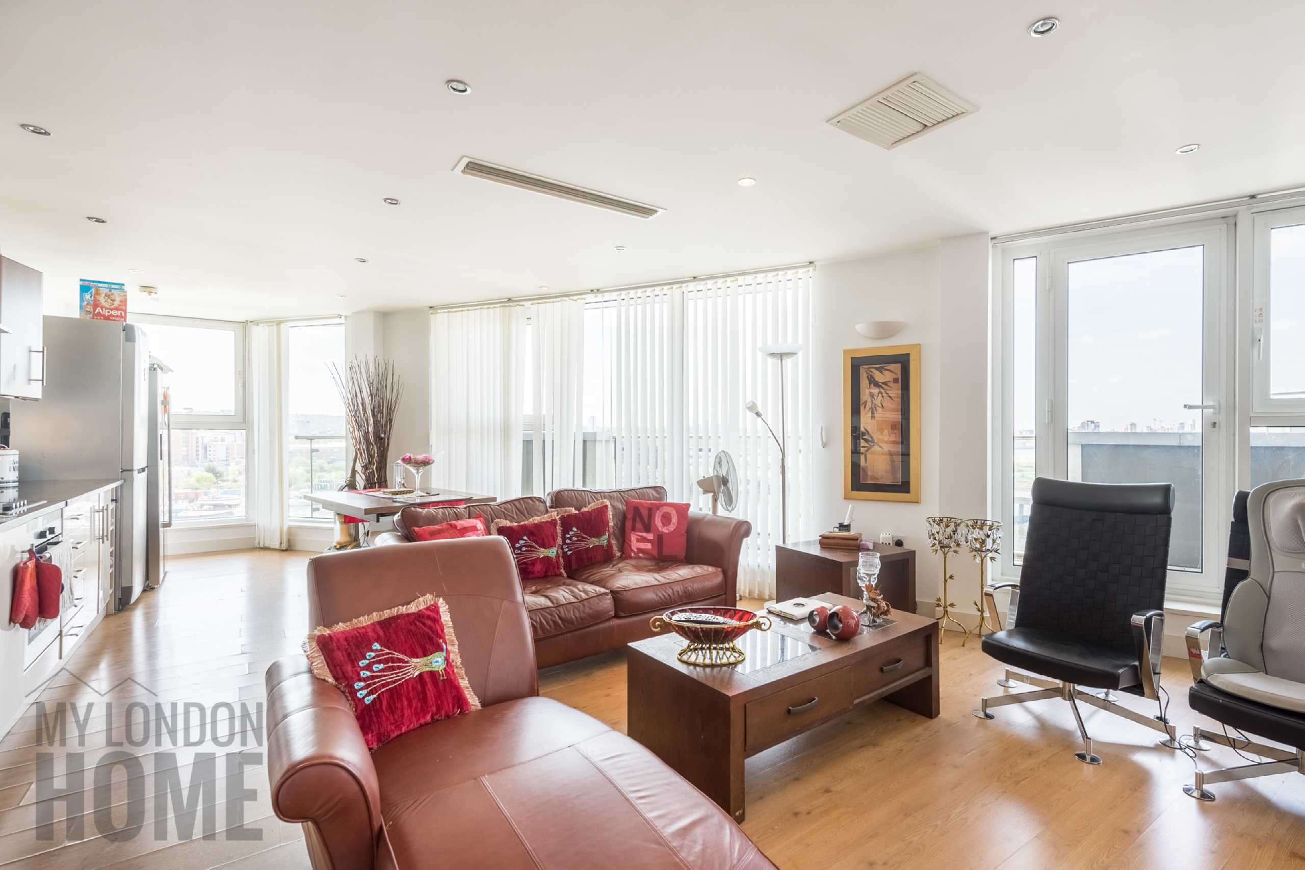 3 Bedrooms Apartment Flat for sale in The Mast, Albert Basin Way, Royal Albert Docks, Royal Docks, E16
