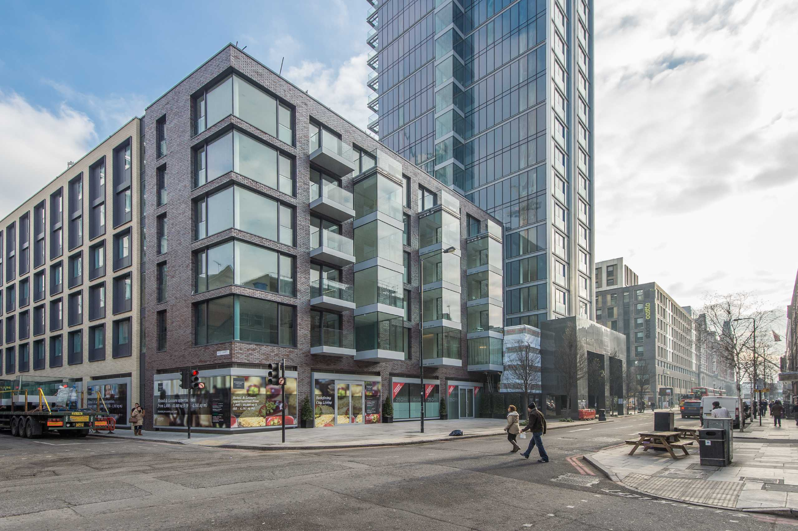 2 Bedrooms Apartment Flat for sale in Kingwood Gardens, Goodmans Field, Leman Street, Aldgate, E1