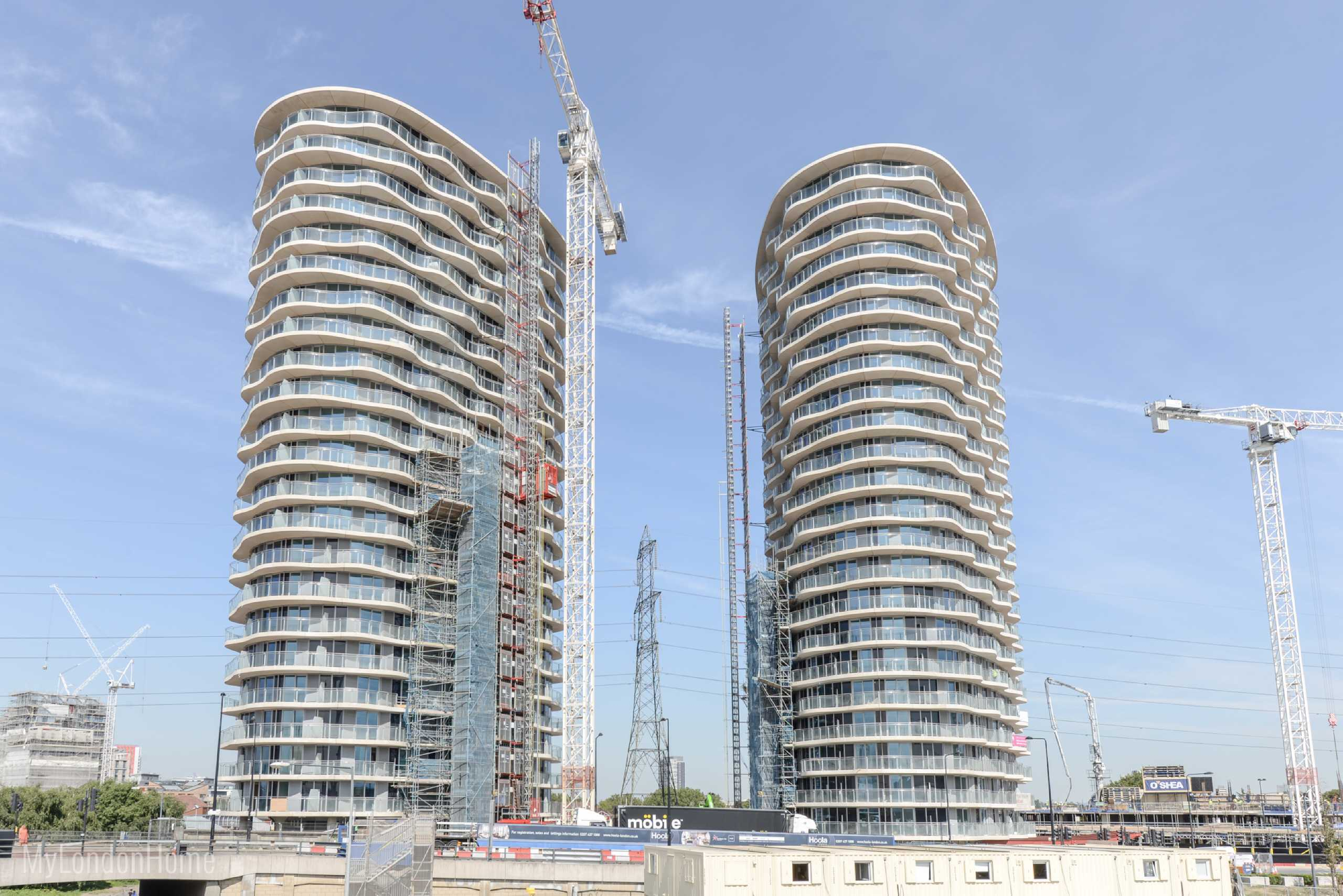 1 Bedroom Apartment Flat for sale in Hoola, East Tower, Royal Docks, London, E16