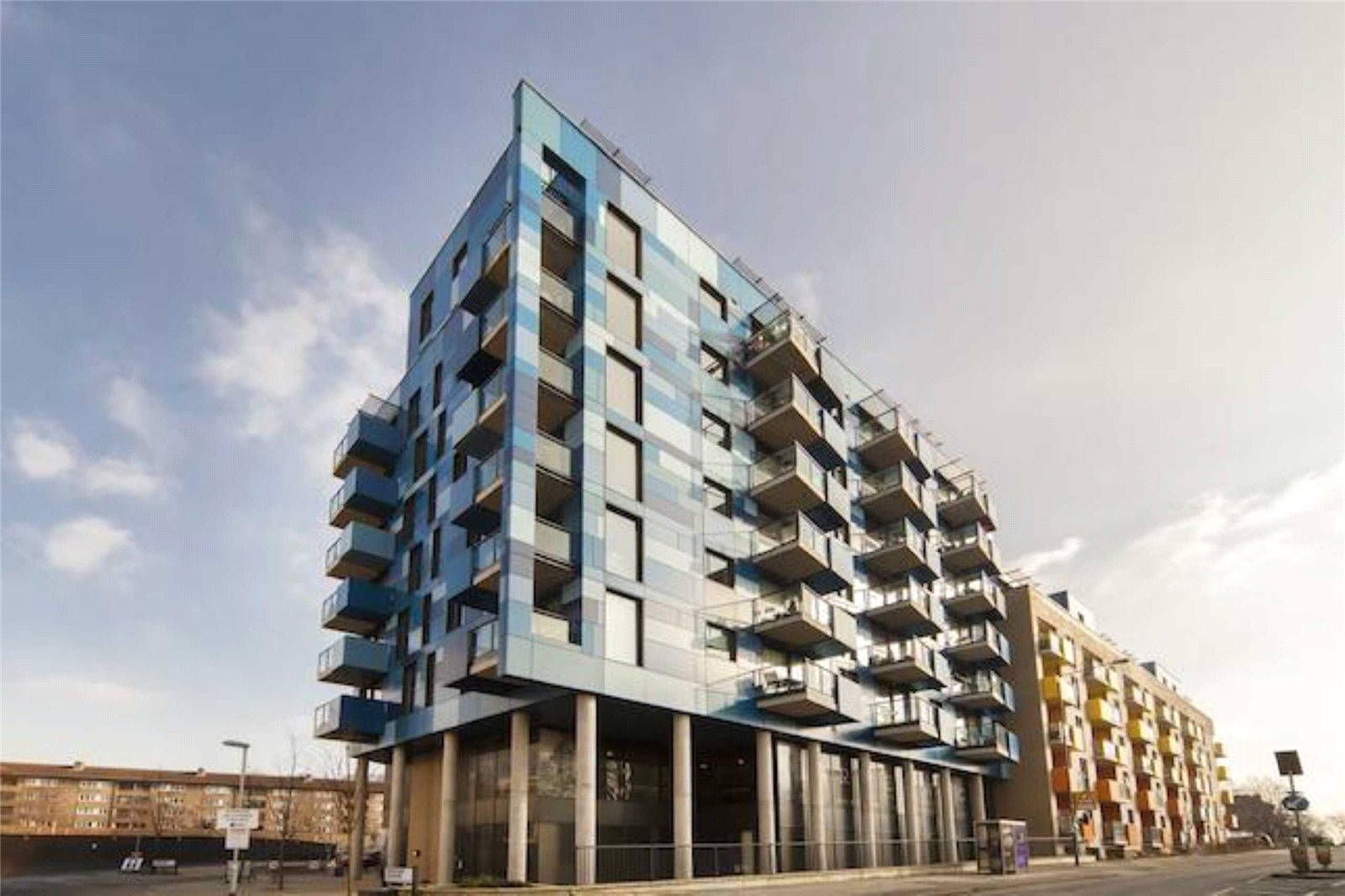 1 Bedroom Apartment Flat for sale in Central Park, Block EF, Greenwich Collection, London, SE10