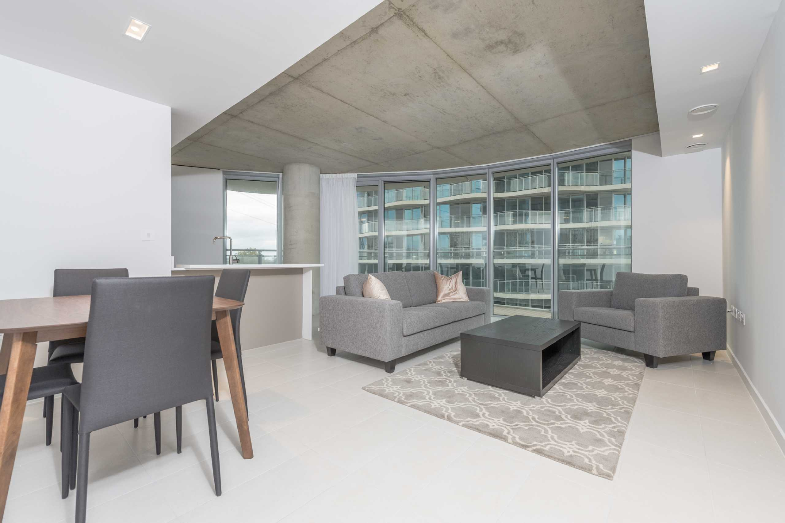 2 Bedrooms Apartment Flat for sale in Hoola Building, West Tower, Canning Town, London, E16