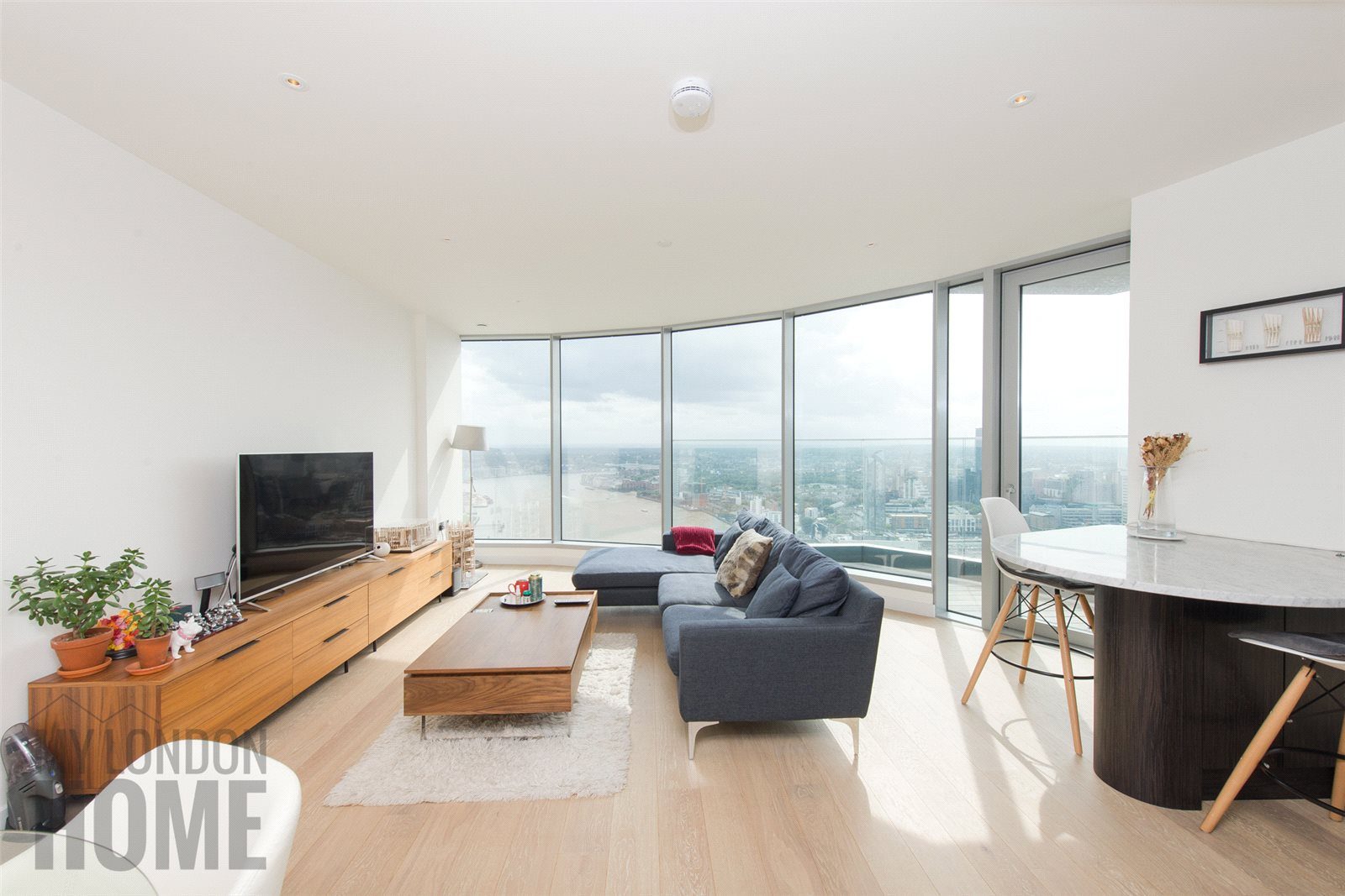 2 Bedrooms Apartment Flat for sale in Charrington Tower, 11 Biscayne Avenue, New Providence Wharf, London, E14