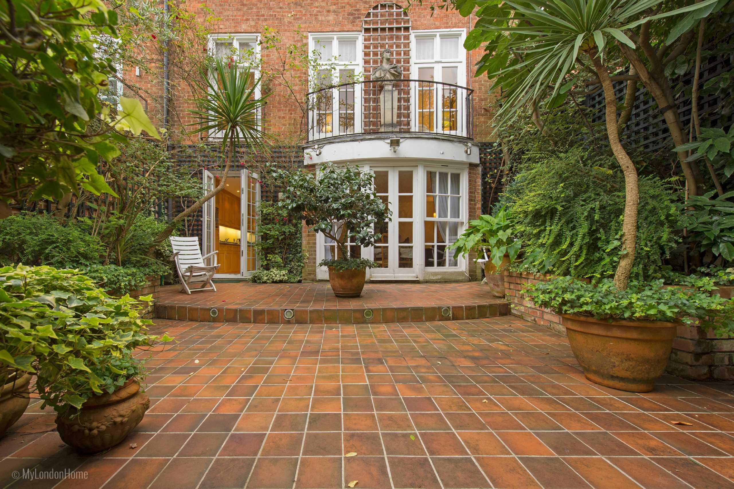 4 Bedrooms End Of Terrace House for sale in Moncorvo Close, Knightsbridge, London, SW7