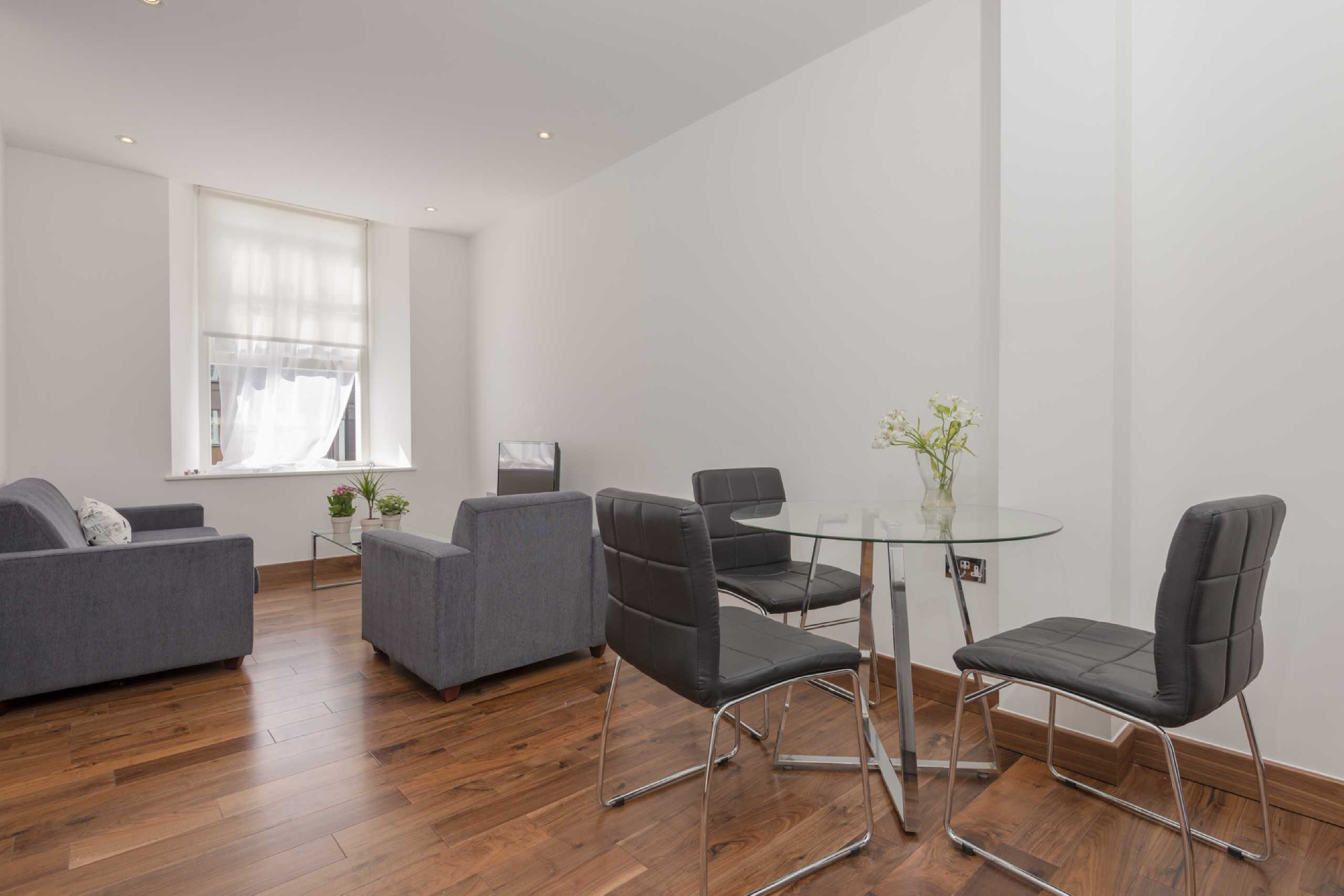 Apartment Flat for sale in The Belvedere, Bedford Row, Holborn, London, WC1R
