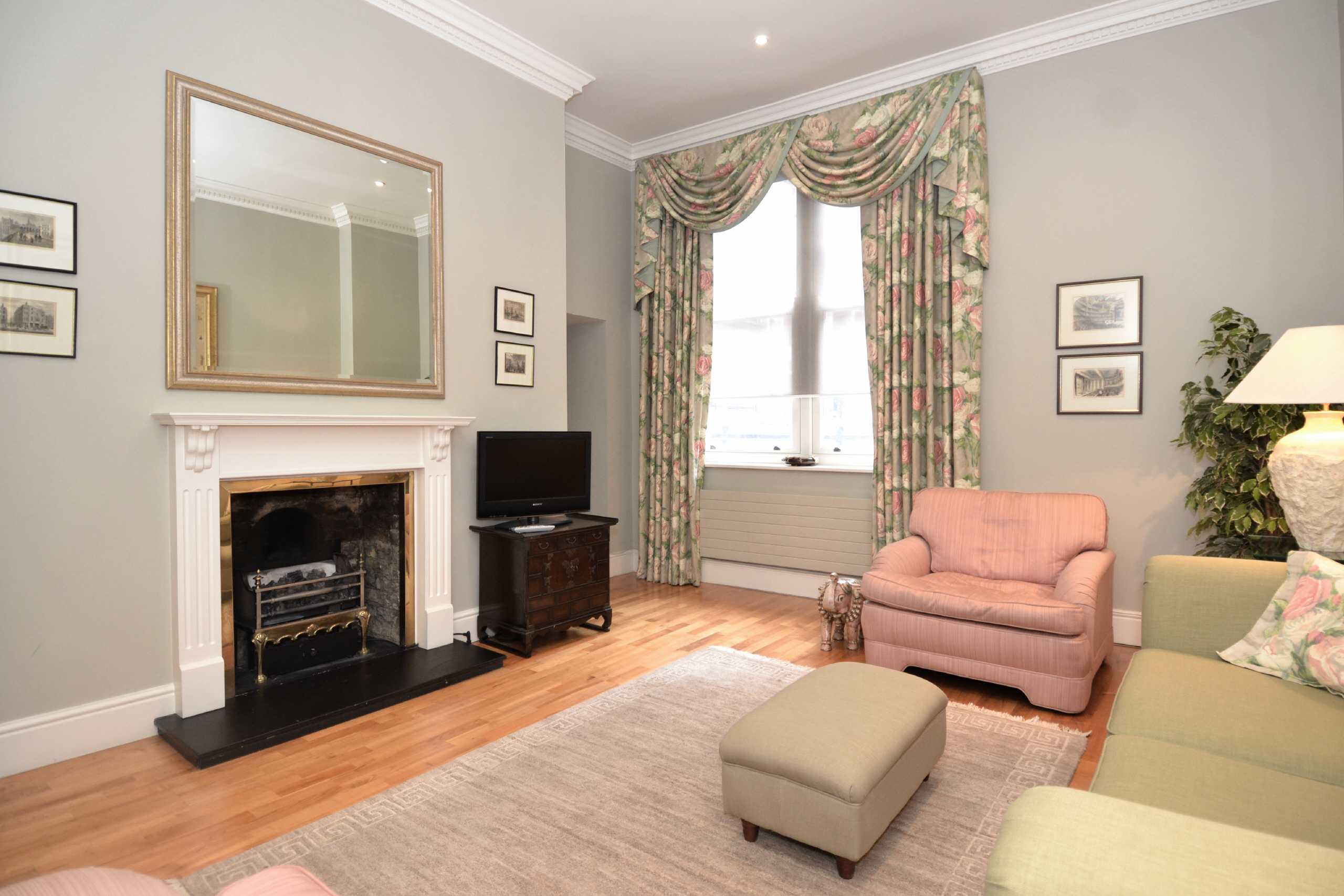 2 Bedrooms Apartment Flat for sale in Chadwick House, 9 Exchange Court, Maiden Lane, Covent Garden, WC2R