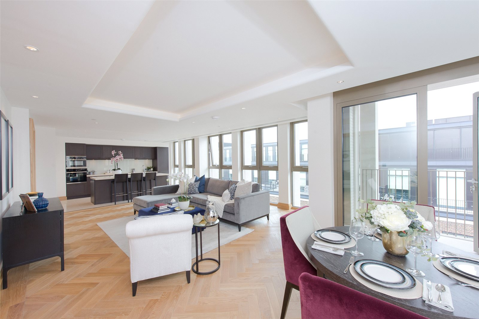 3 Bedrooms Apartment Flat for sale in Abell House, John Islip Street, Westminster, London, SW1P