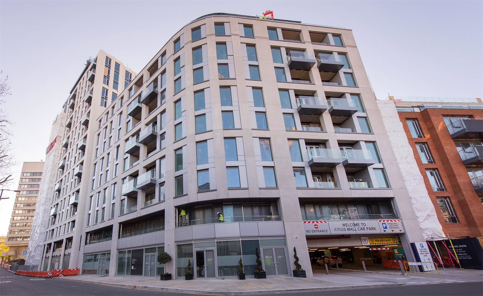 2 Bedrooms Apartment Flat for sale in Clarence House, Sovereign Court, Hammersmith, W6