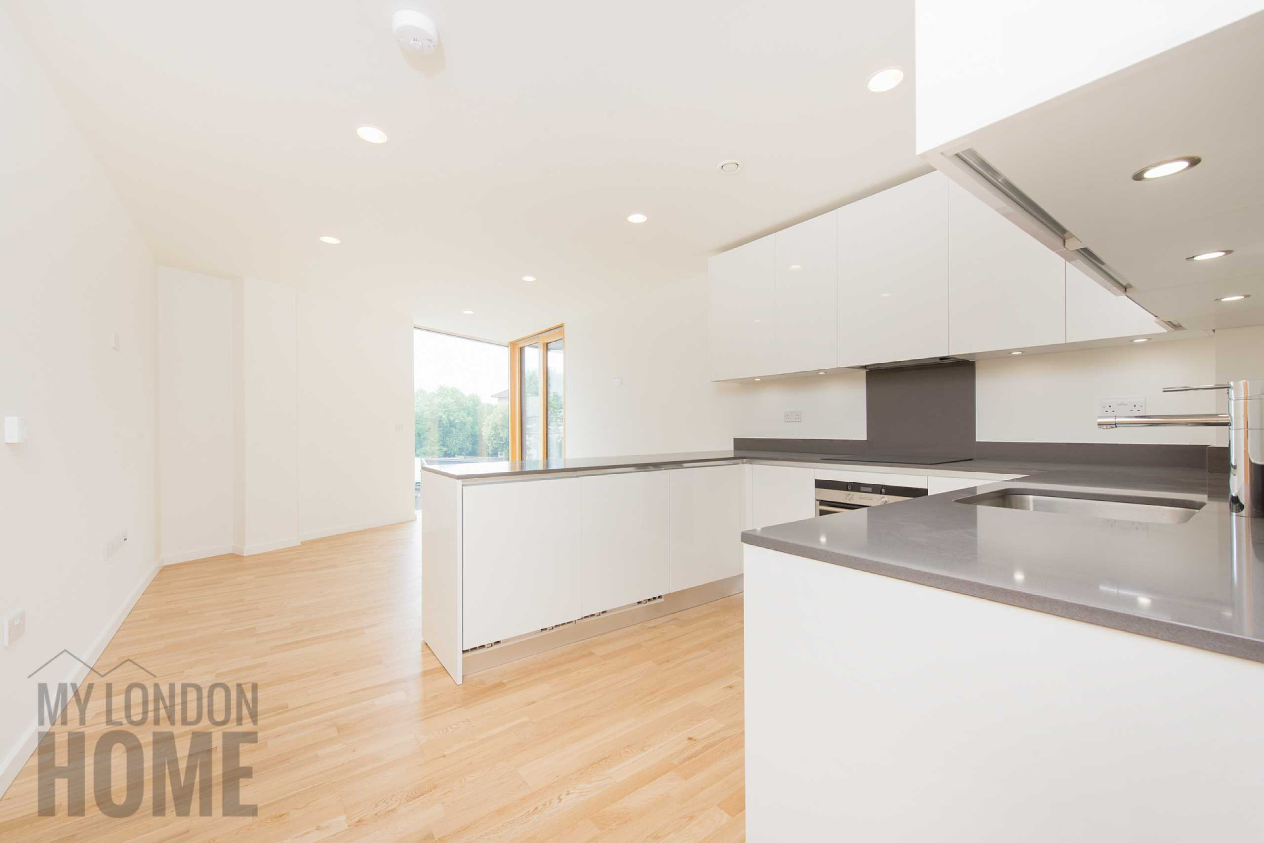 2 Bedrooms Apartment Flat for sale in Solstice Point, Regents Park View, London, NW1