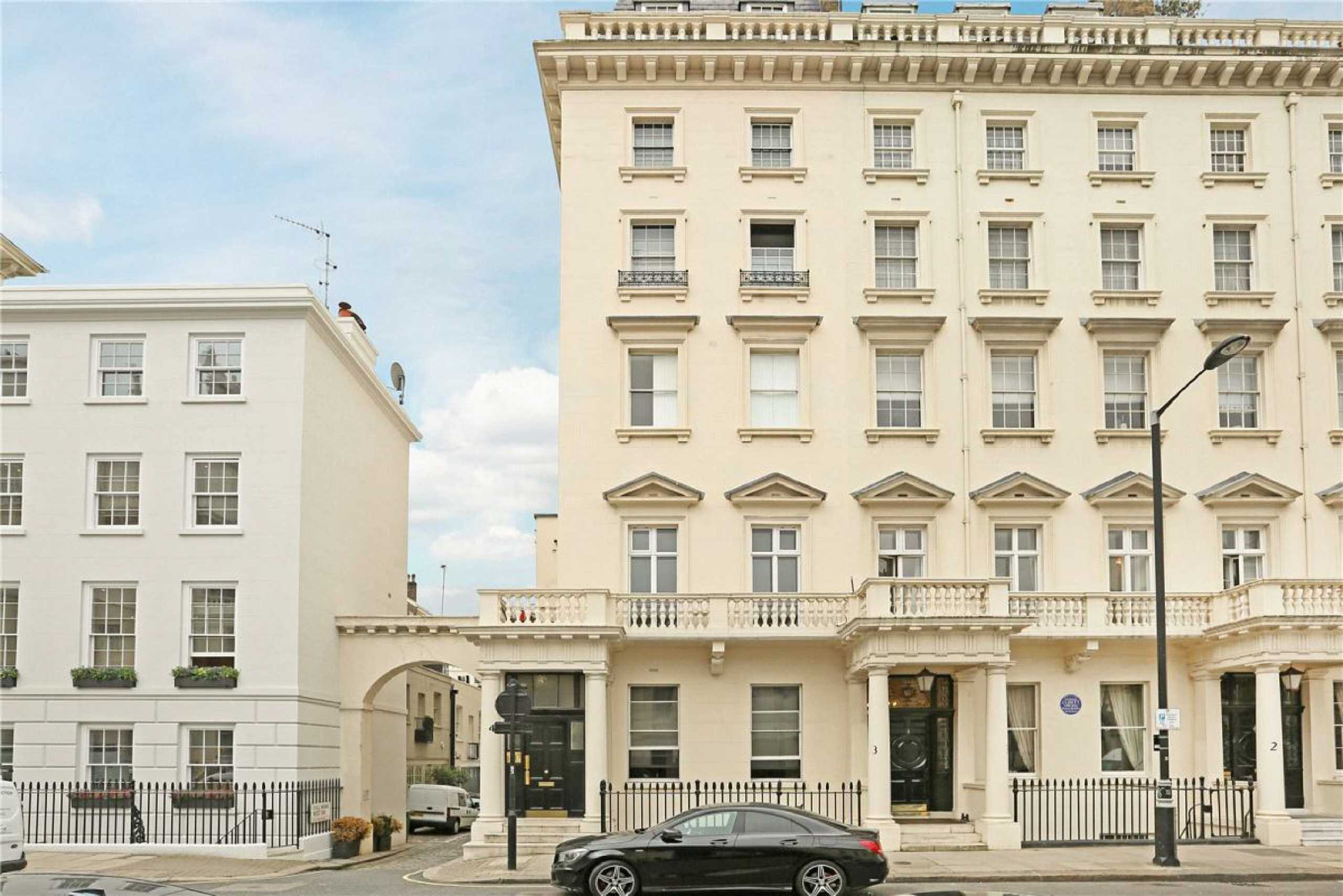2 Bedrooms Apartment Flat for sale in Lyall Street, Eaton Square, Belgravia, London, SW1X
