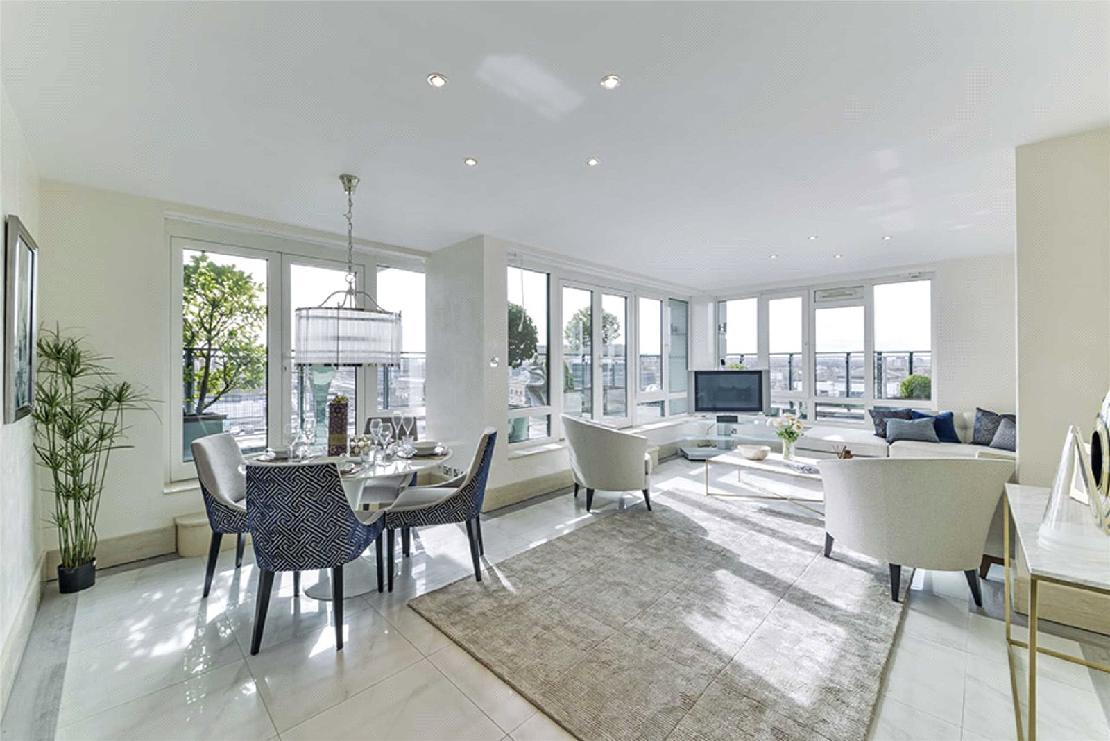 3 Bedrooms Apartment Flat for sale in Warren House, Beckford Close, West Kensington, London, W14