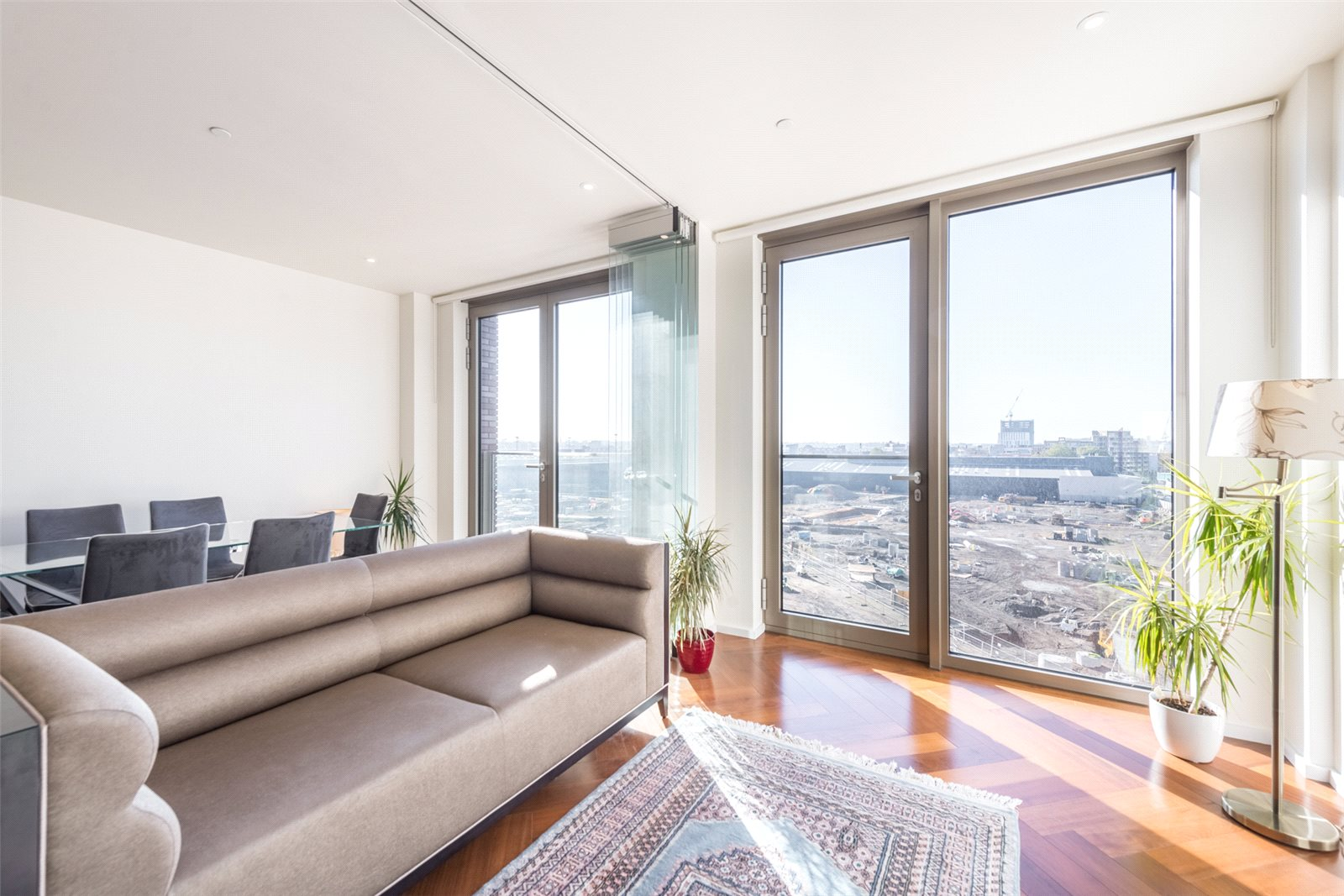 2 Bedrooms Apartment Flat for sale in Capital Building, Embassy Gardens, Nine Elms, London, SW11