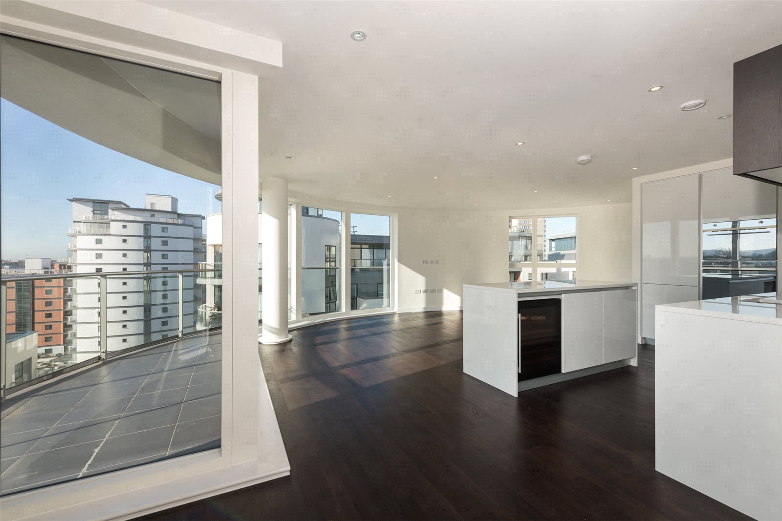 3 Bedrooms Apartment Flat for sale in Masson House, Kew Bridge West, London, TW8