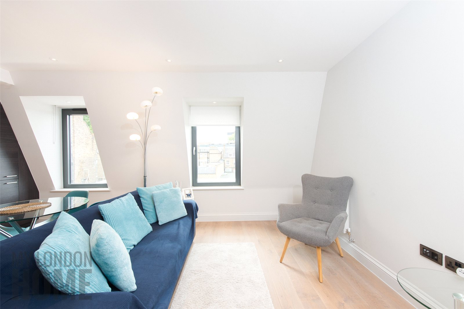 2 Bedrooms Apartment Flat for sale in The Lincolns, Grays Inn Road, London, WC1X