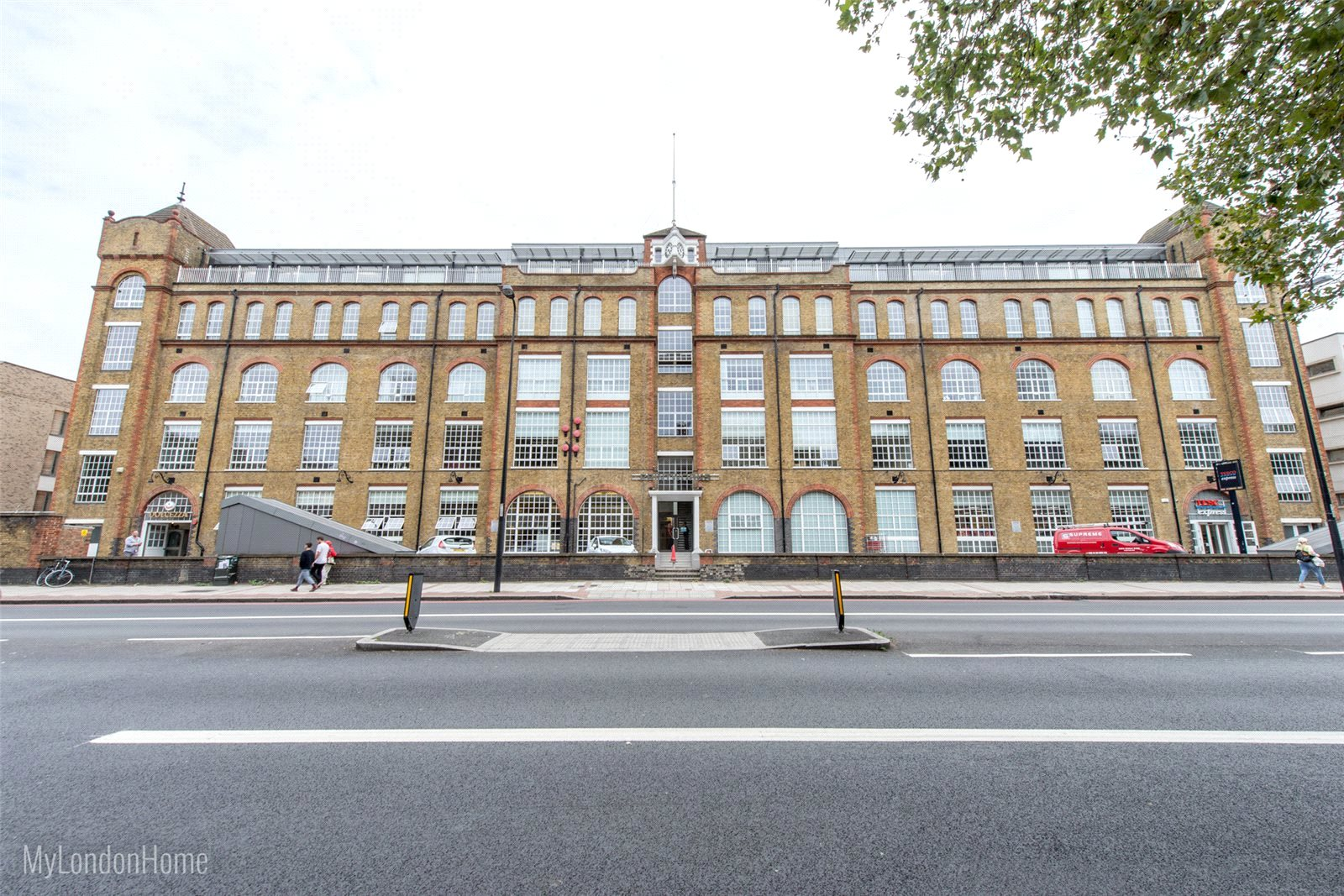Apartment Flat for sale in The Printworks, Clapham Road, London, SW9