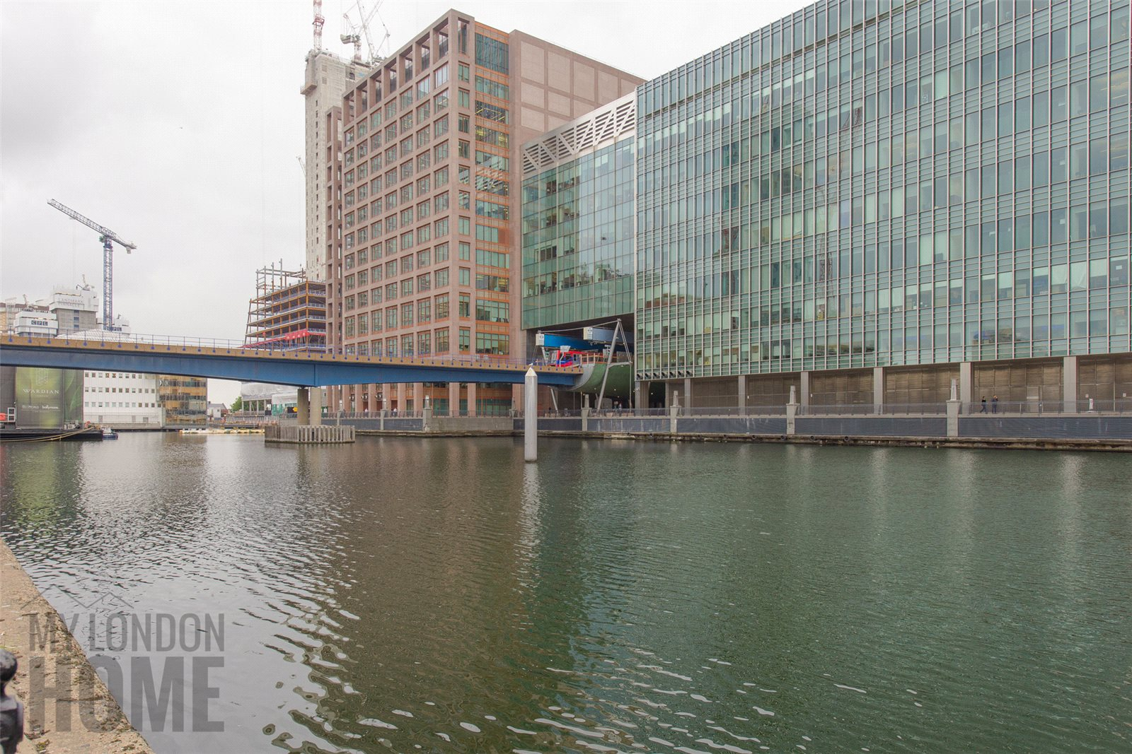 2 Bedrooms Apartment Flat for sale in Landmark Pinnacle, 10 Marsh Wall, Canary Wharf, London, E14