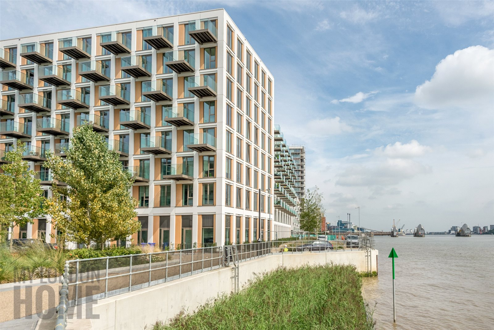 1 Bedroom Apartment Flat for sale in Latitude Building, Royal Wharf, Royal Docks, London, E14