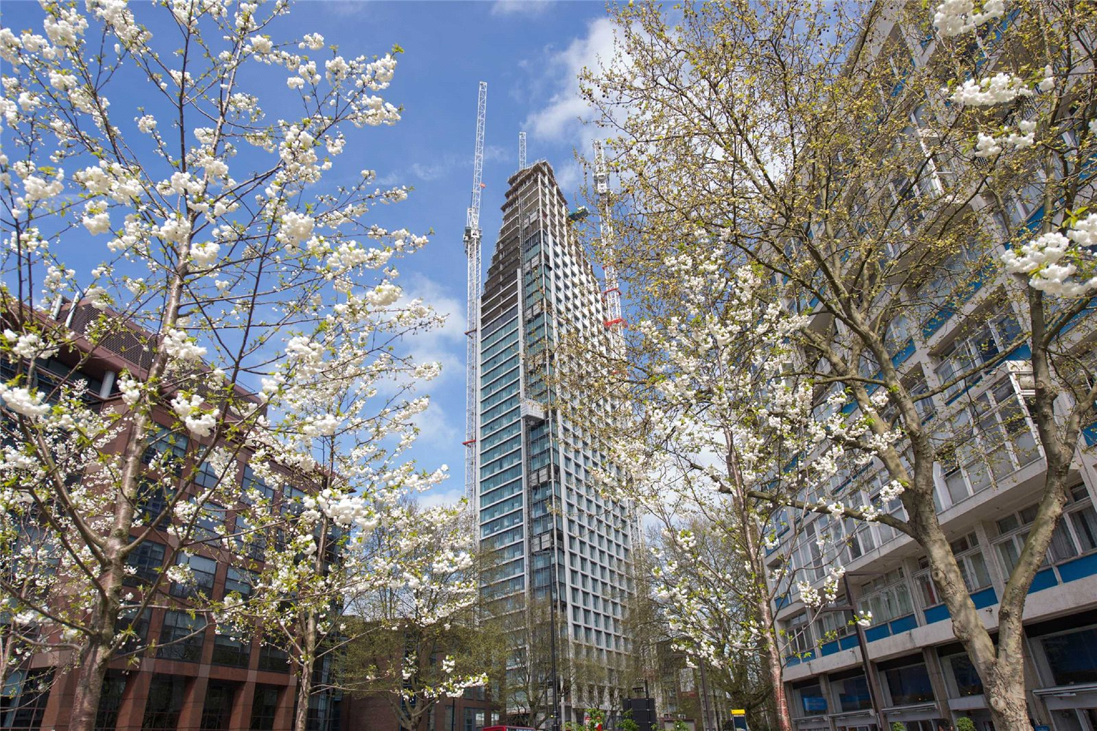 1 Bedroom Apartment Flat for sale in Two Fifty One, Southwark Bridge Rd, Elephant And Castle, London, SE1