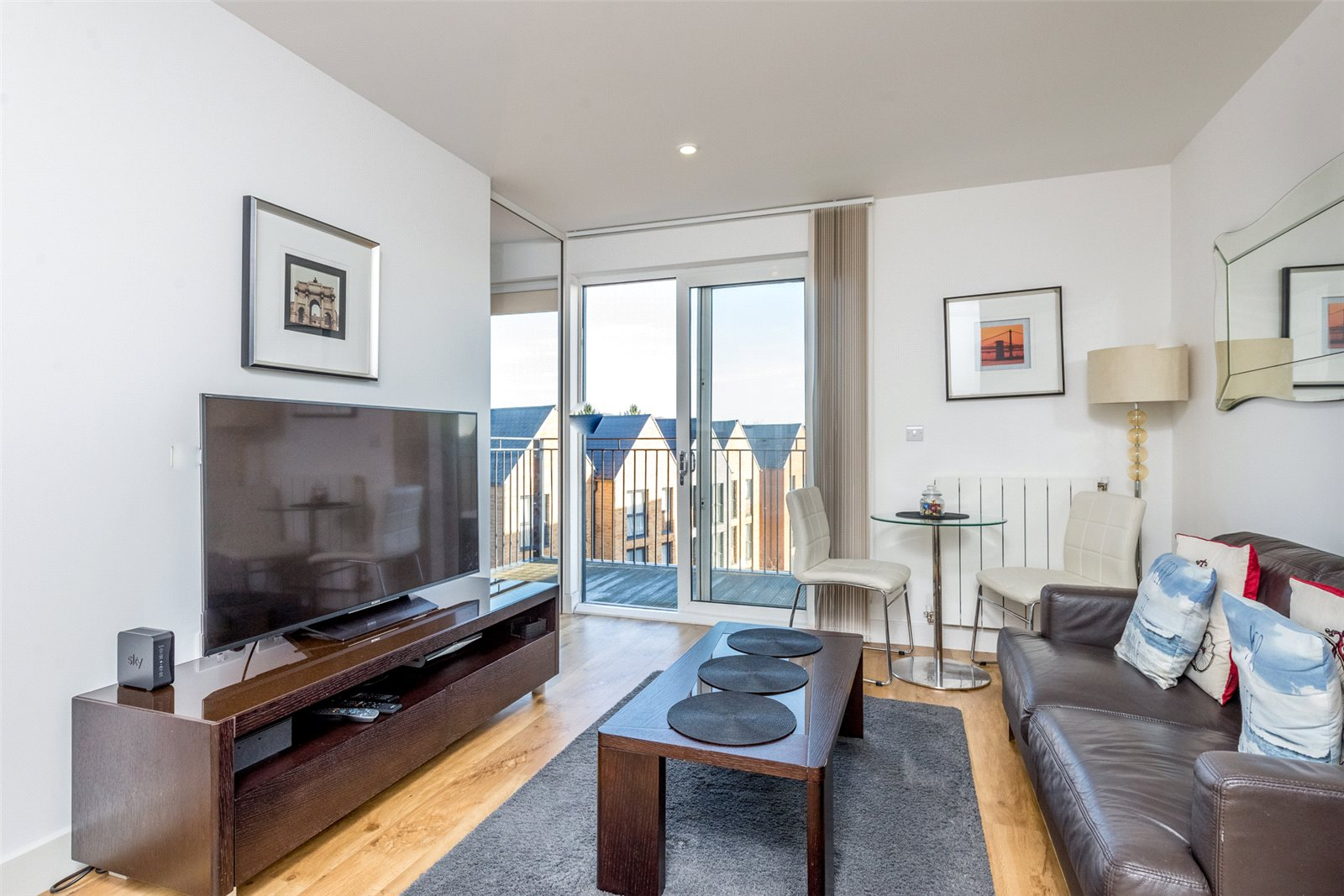 1 Bedroom Apartment Flat for sale in Conningham Court, 17 Dowding Drive, Kidbrooke Village, London, SE9