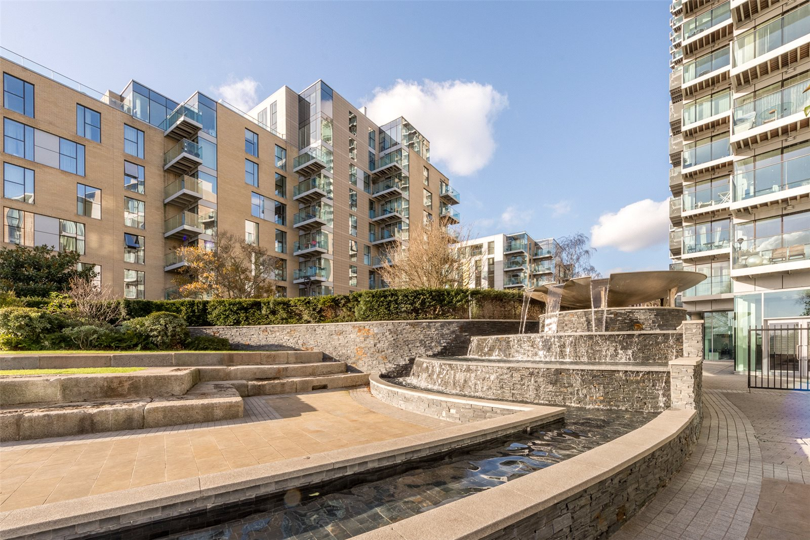 2 Bedrooms Apartment Flat for sale in Kingly Building, Woodberry Down, London, N4