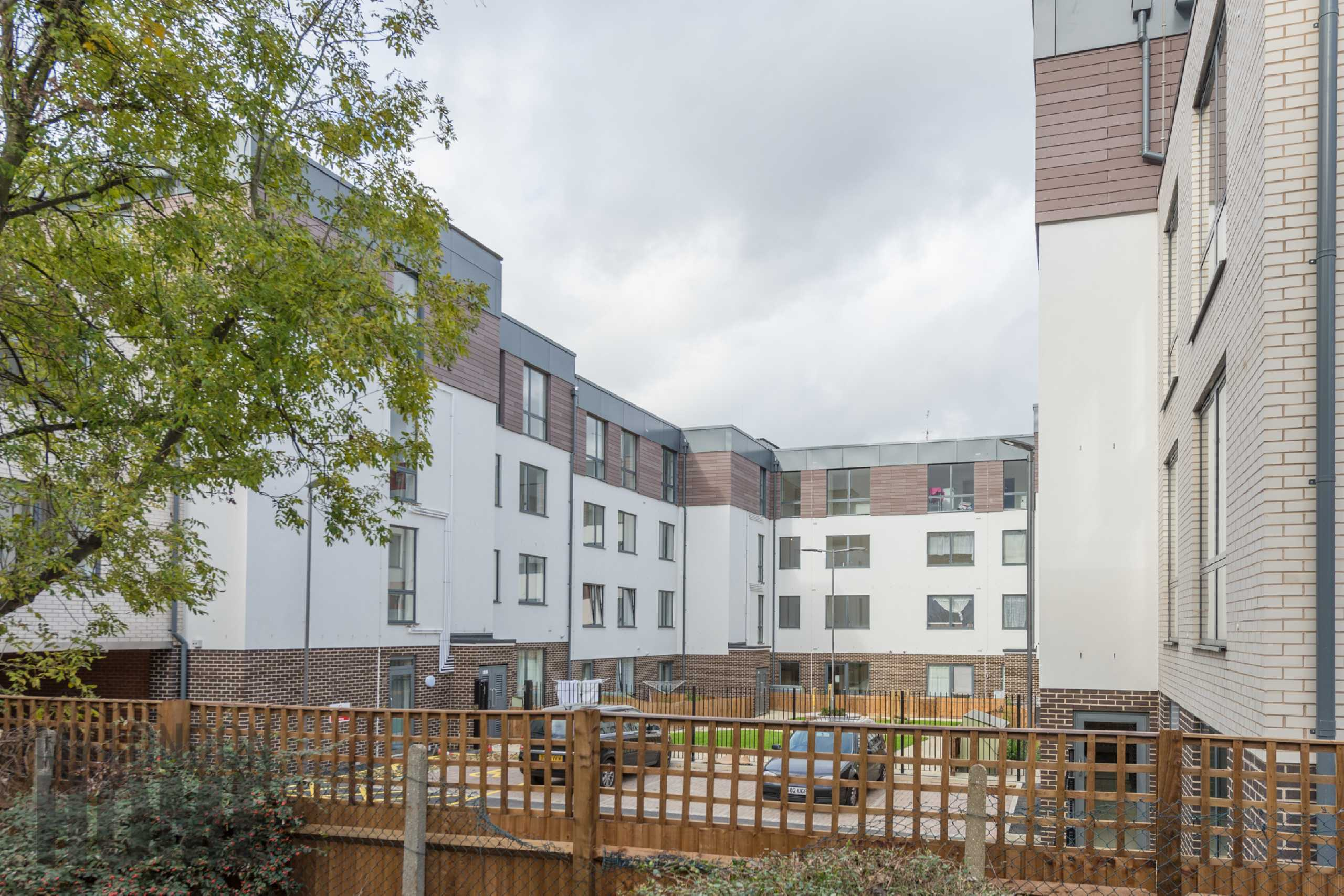 2 Bedrooms Apartment Flat for sale in Smithfield Square, Hornsey High Street, Hornsey, London, N8