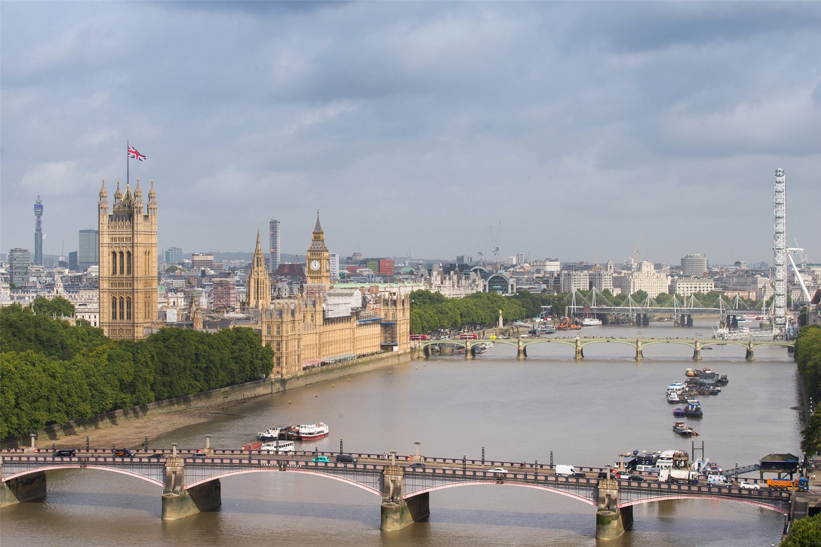 3 Bedrooms Apartment Flat for sale in The Corniche, Tower Two, Albert Embankment, London, SE1