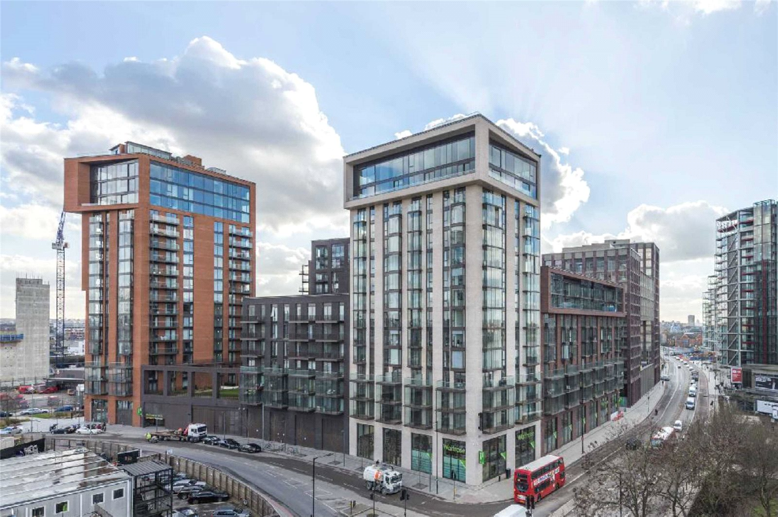 1 Bedroom Apartment Flat for sale in Legacy Building, Embassy Gardens, Vauxhall, London, SW8