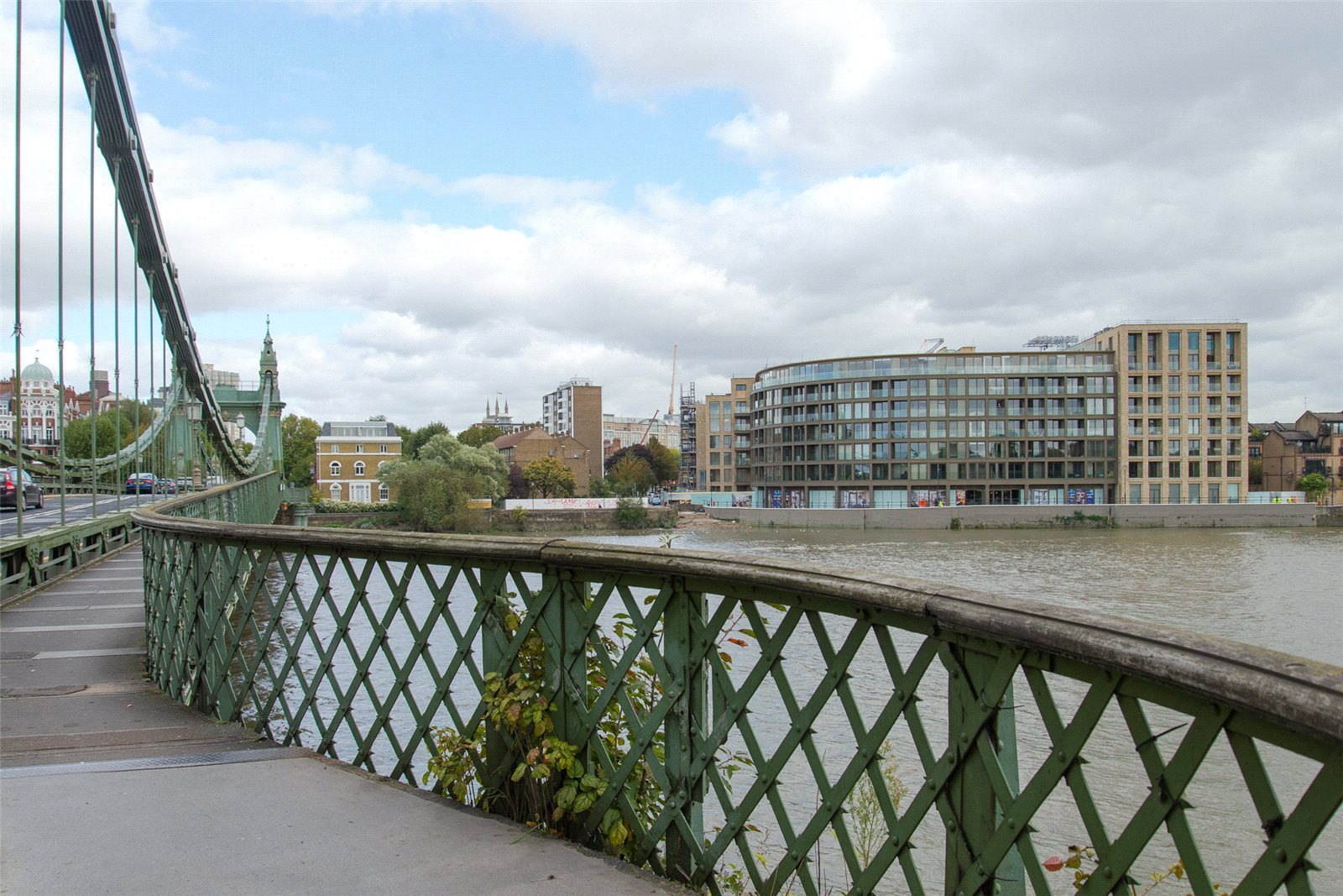 2 Bedrooms Apartment Flat for sale in Queens Wharf, Hammersmith, London, W6