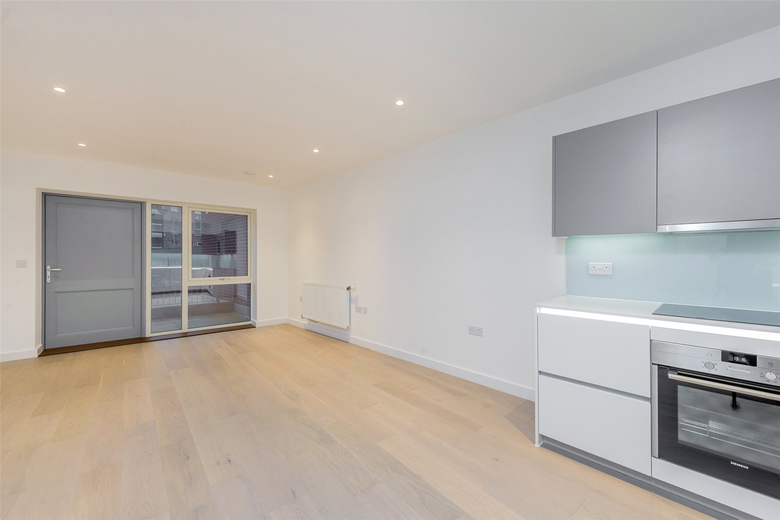 2 Bedrooms Apartment Flat for sale in Collins Building, Fellows Square, Cricklewood, NW2