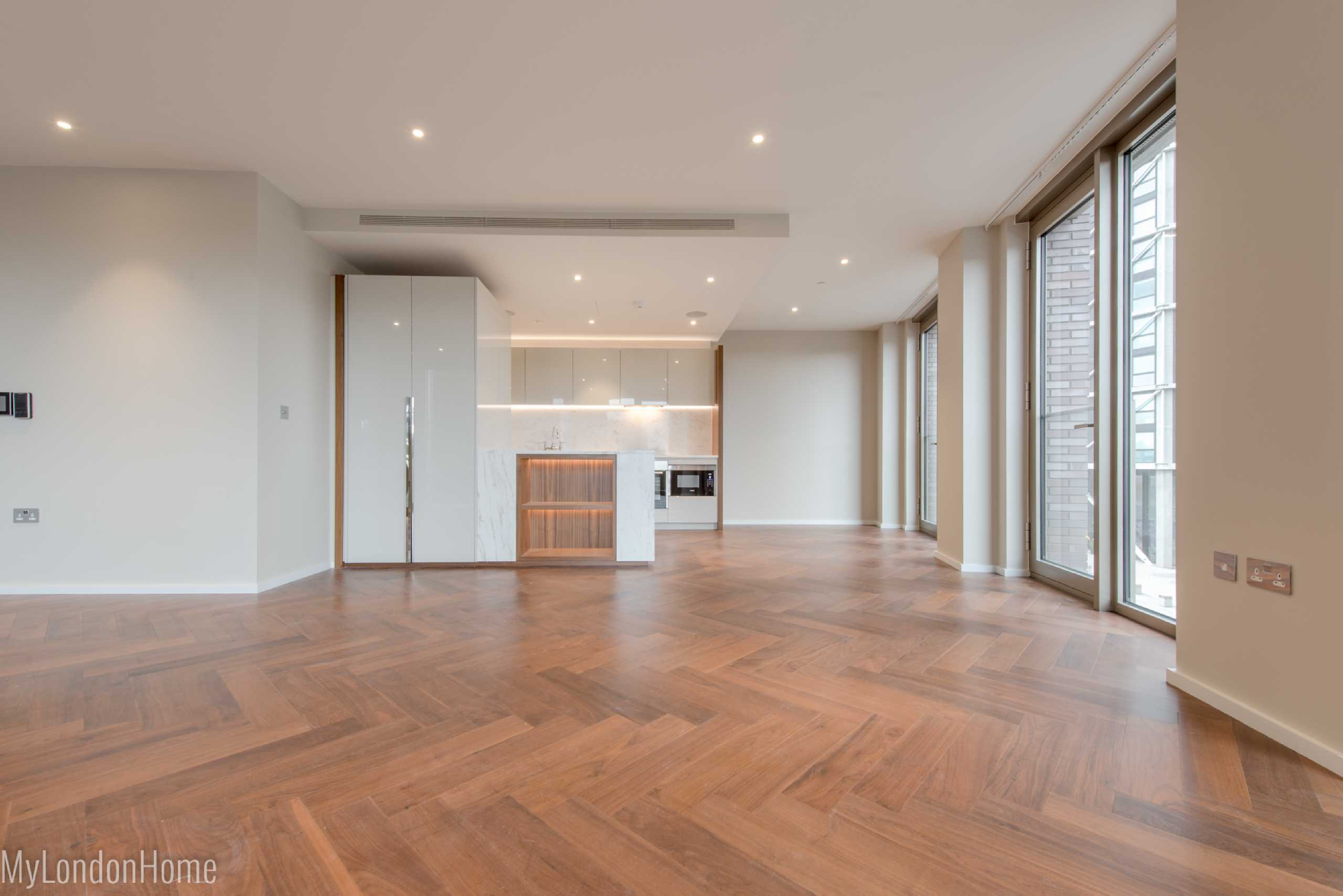 3 Bedrooms Apartment Flat for sale in B29, Embassy Gardens, Vauxhall, London, SW11