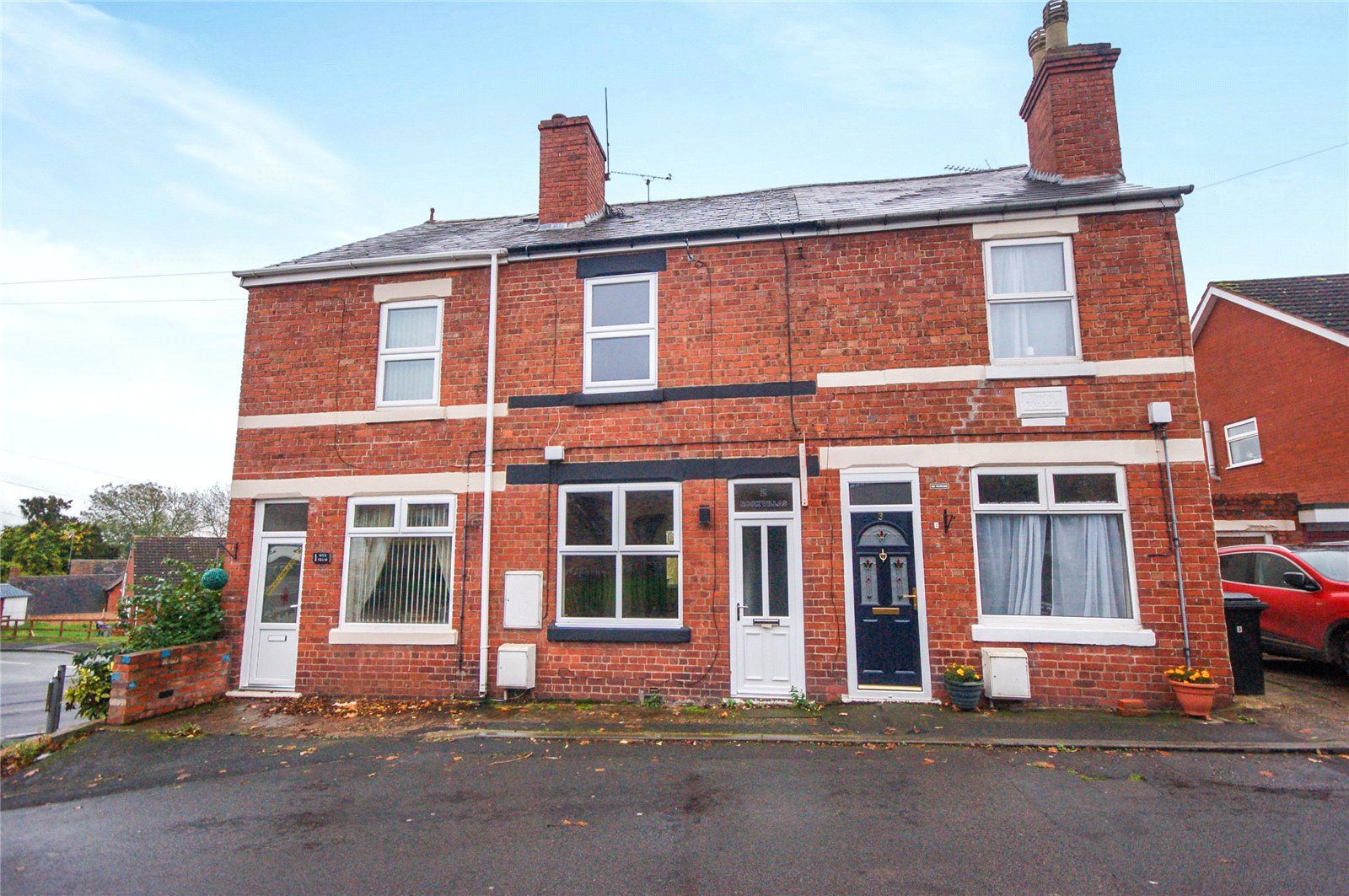 3 Bedrooms Terraced House for sale in 2 Rock Villas, Church Lane, Highley, Bridgnorth, WV16