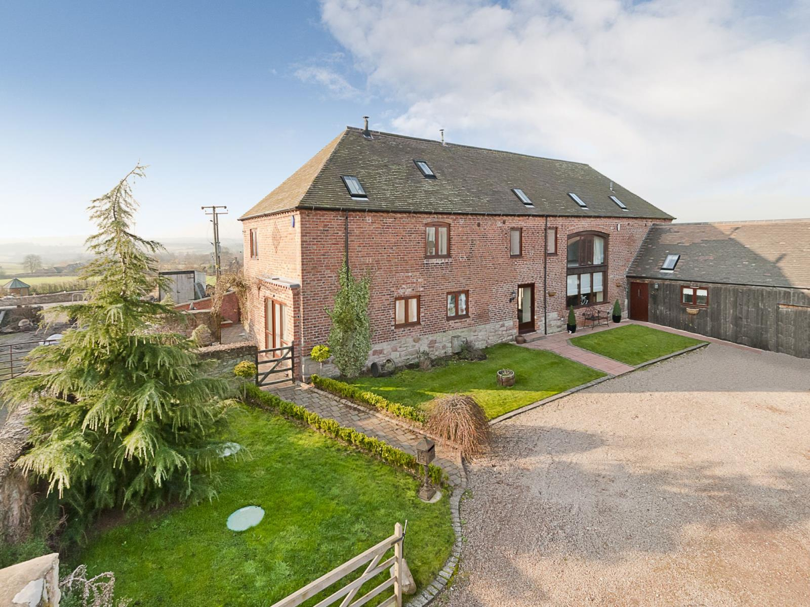 3 Bedrooms Barn Conversion Character Property for sale in The Shire, Spadeley Farm Barns, Chelmarsh, Bridgnorth, Shropshire, WV16