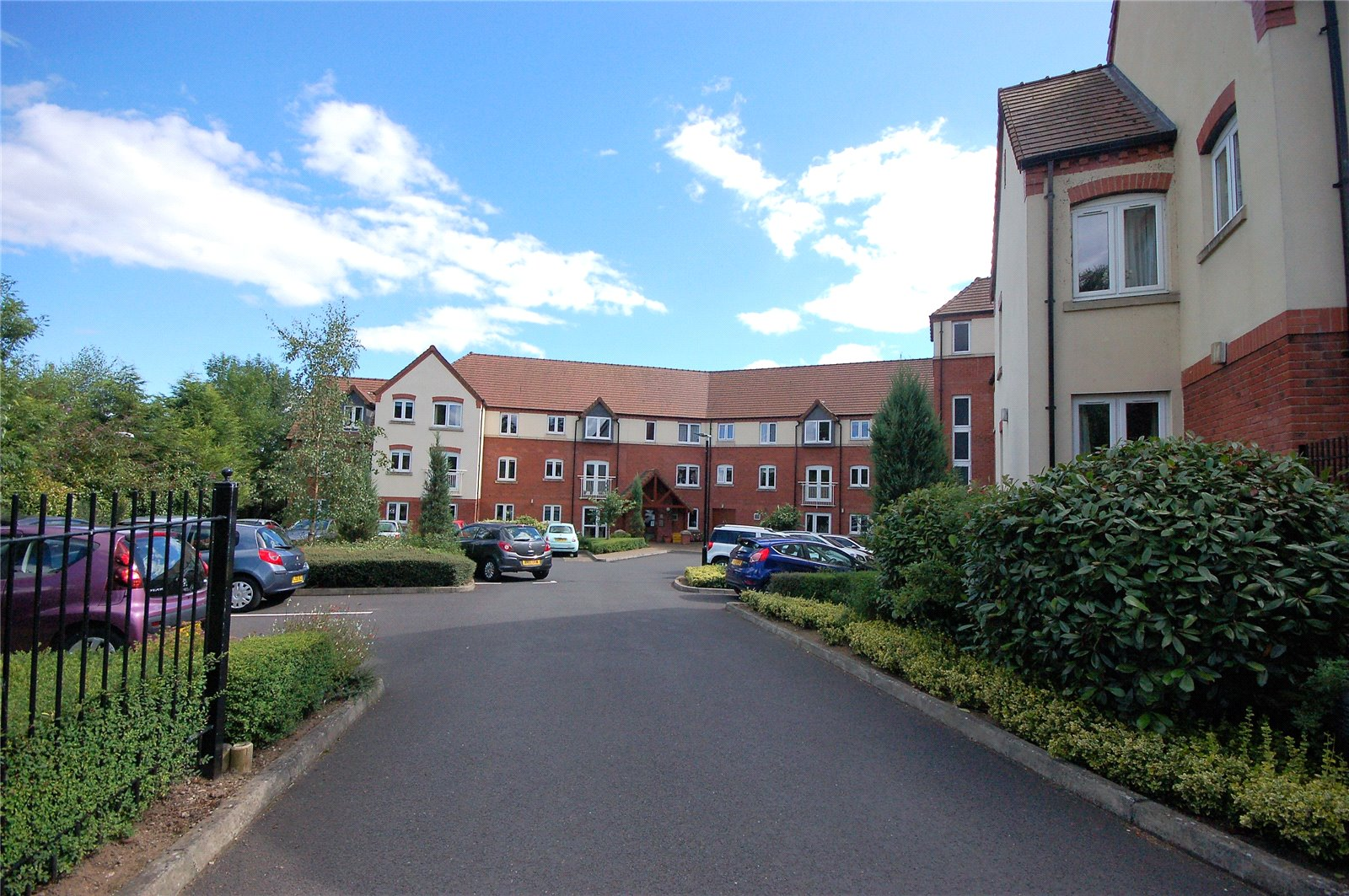 2 Bedrooms Retirement Property for sale in 41 Farthings Court, Kings Loade, Bridgnorth, Shropshire, WV16