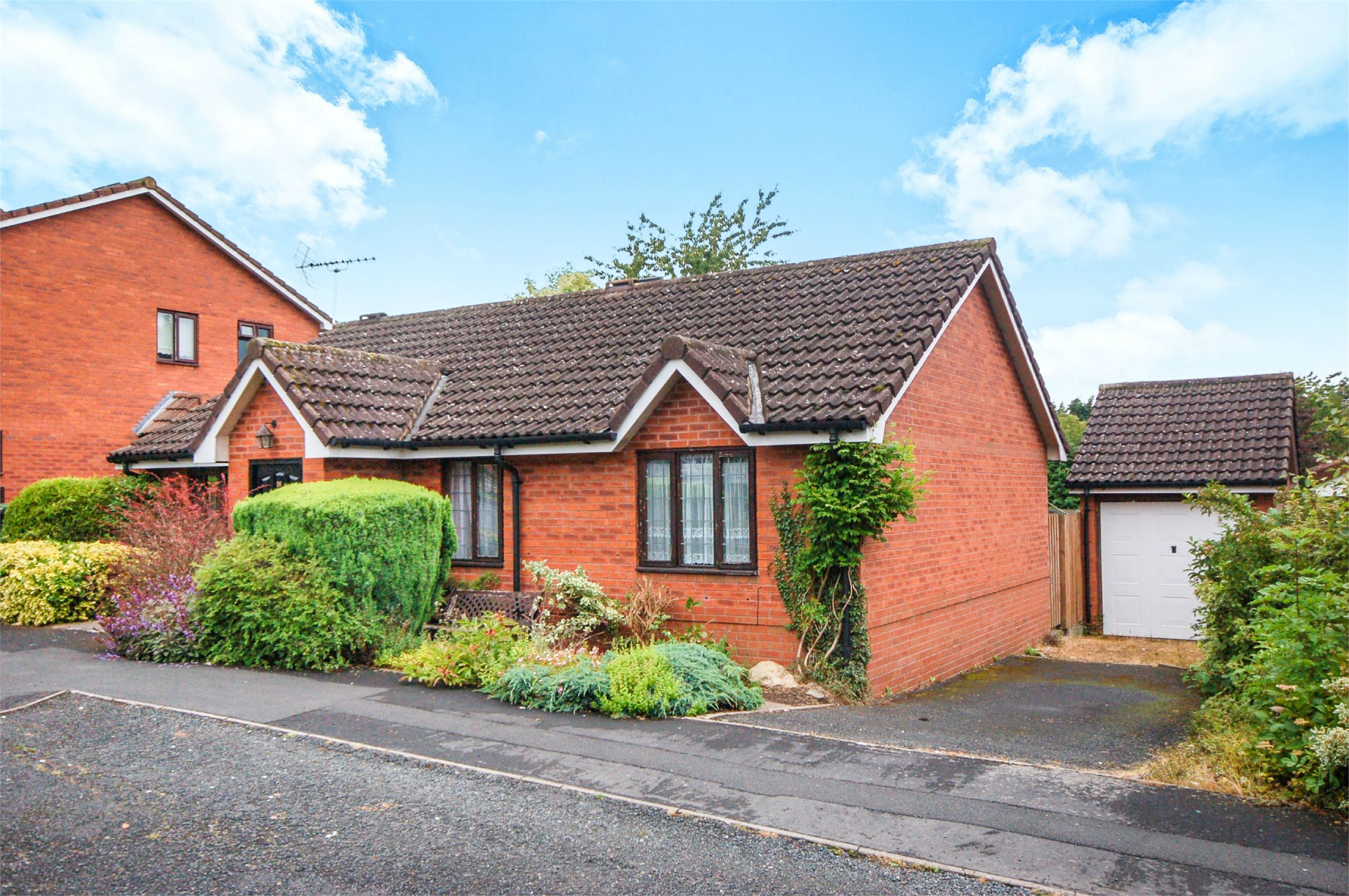 3 Bedrooms Detached Bungalow for sale in 16 Copperfield, Bridgnorth, Shropshire, WV16
