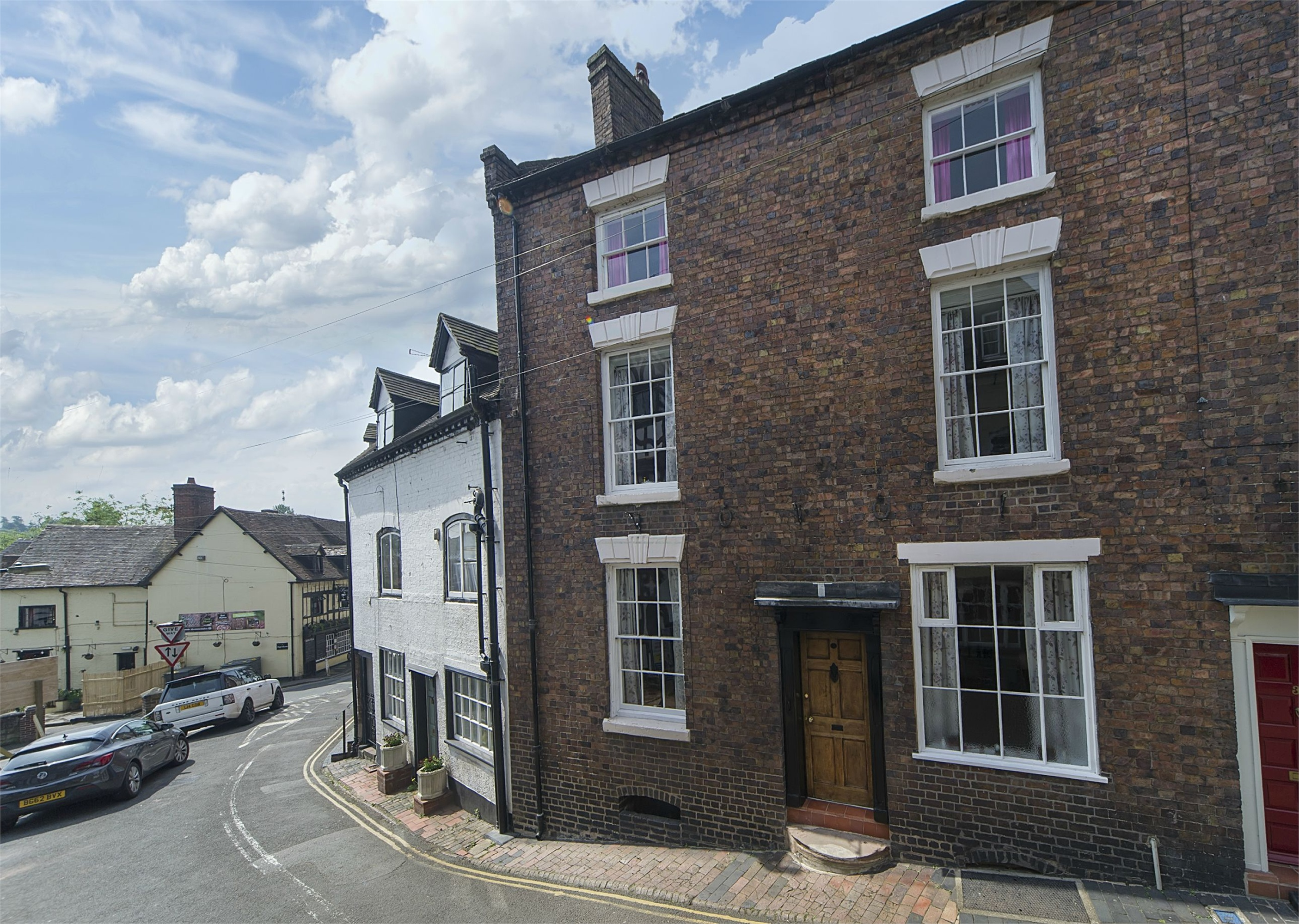 4 Bedrooms Terraced House for sale in 36 Cartway, Bridgnorth, Shropshire, WV16