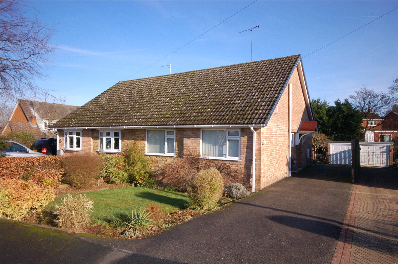 2 Bedrooms Semi Detached Bungalow for sale in 17 Greenleys Crescent, Alveley, Bridgnorth, Shropshire, WV15