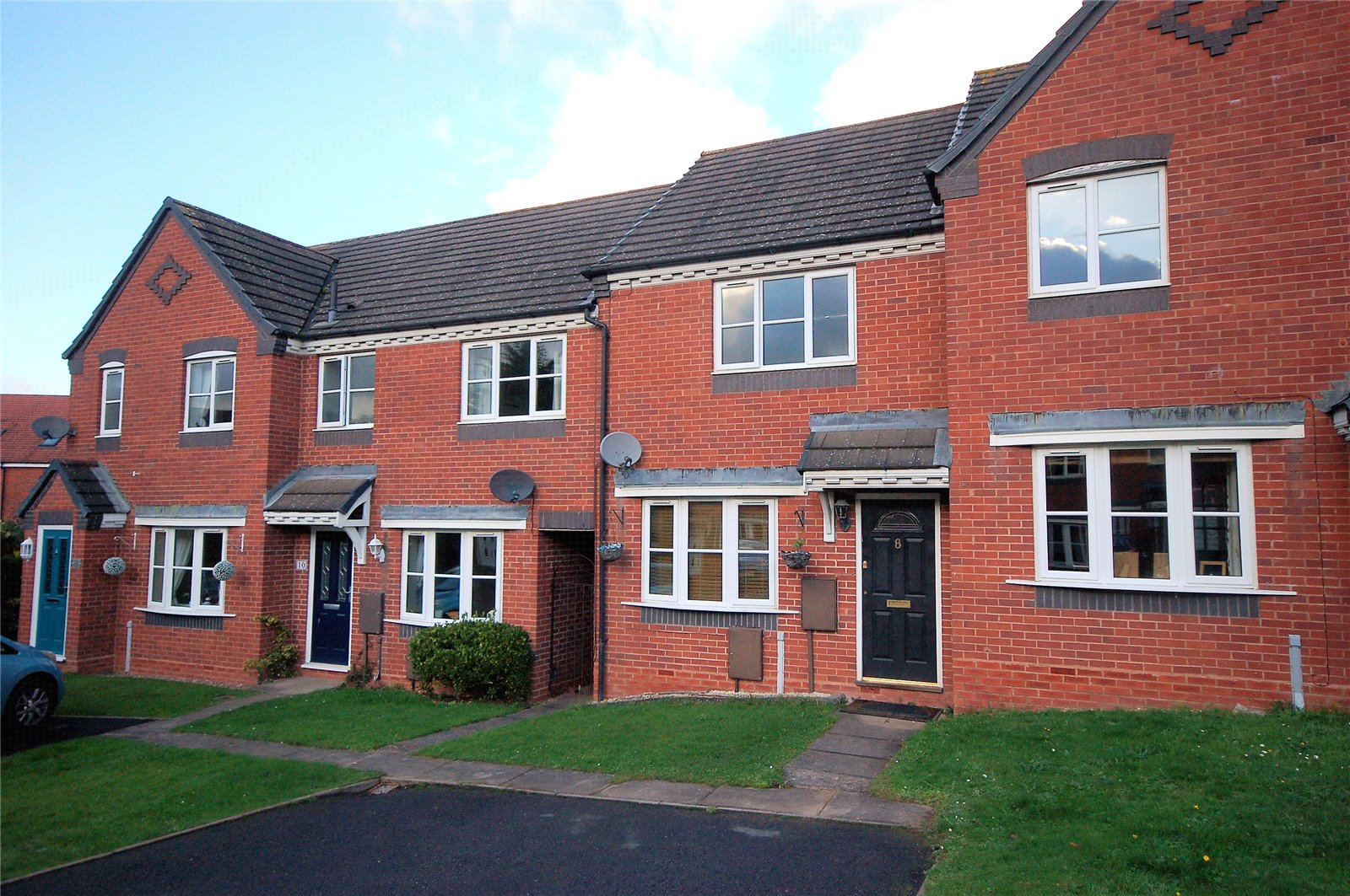 2 Bedrooms Terraced House for sale in 8 Tining Close, Bridgnorth, Shropshire, WV16
