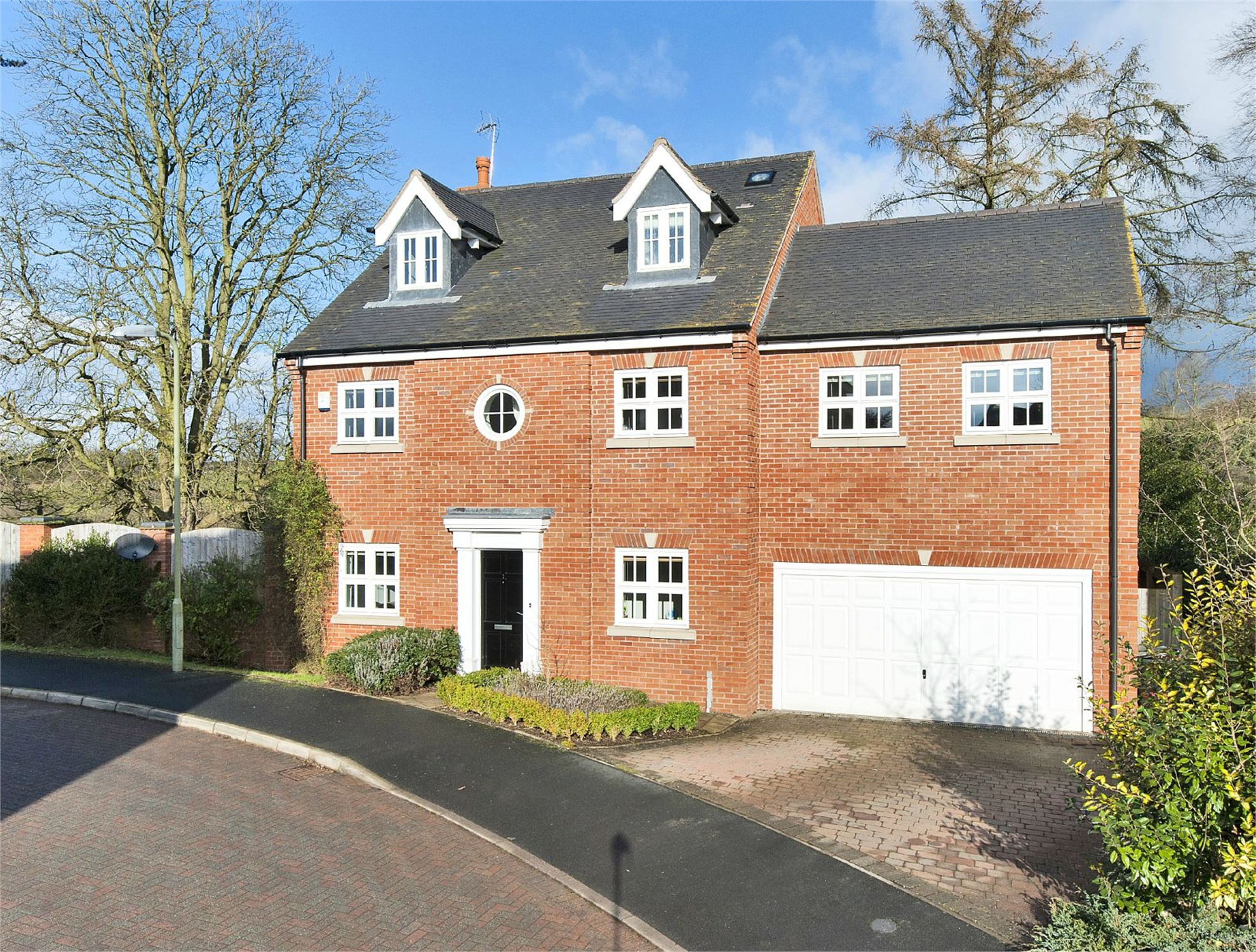 5 Bedrooms Detached House for sale in 1 Yeldside Gardens, Cleobury Mortimer, Kidderminster, DY14